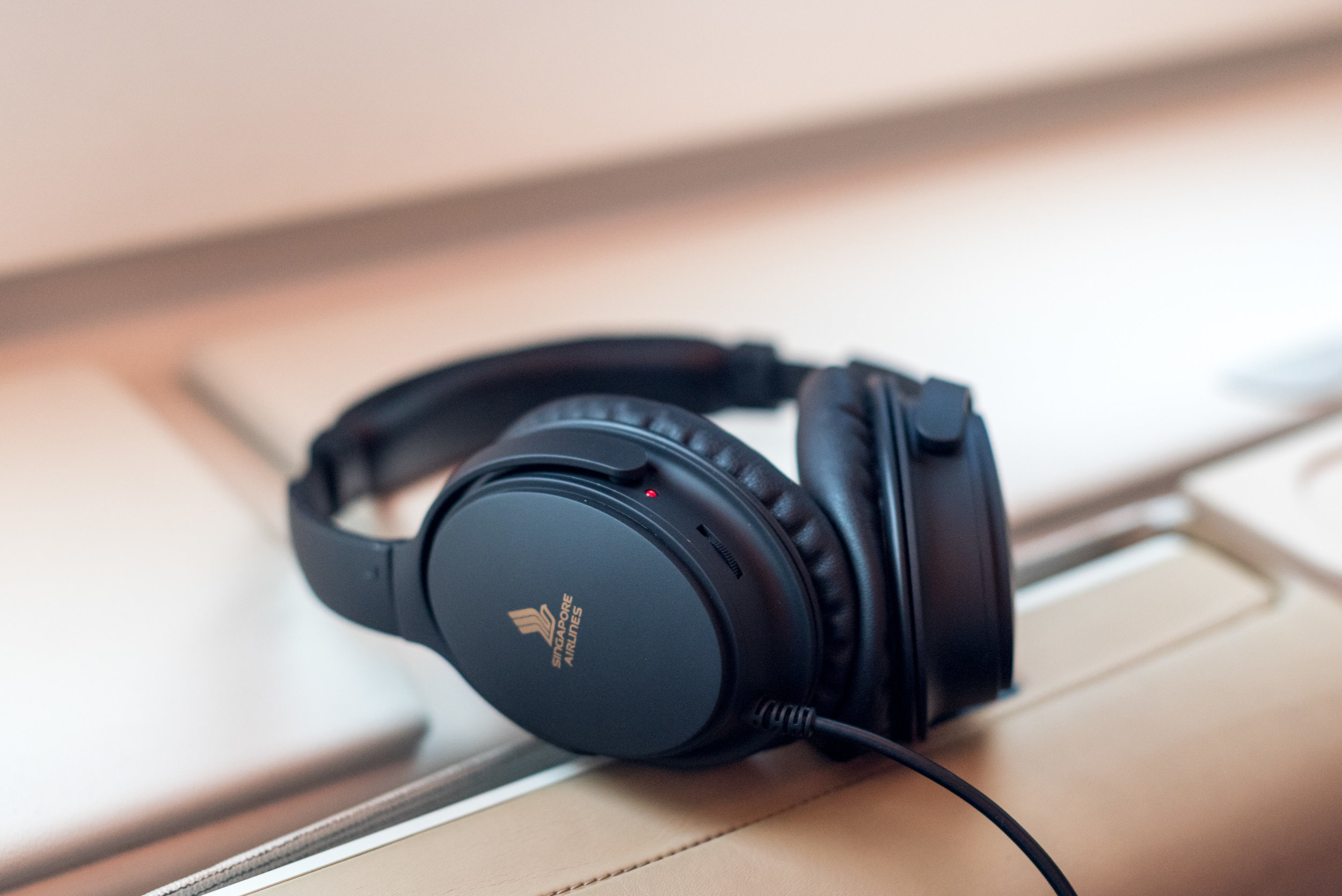 New Headphones on Business Class  Singapore Airlines SQ802 Business - SIN to PEK
