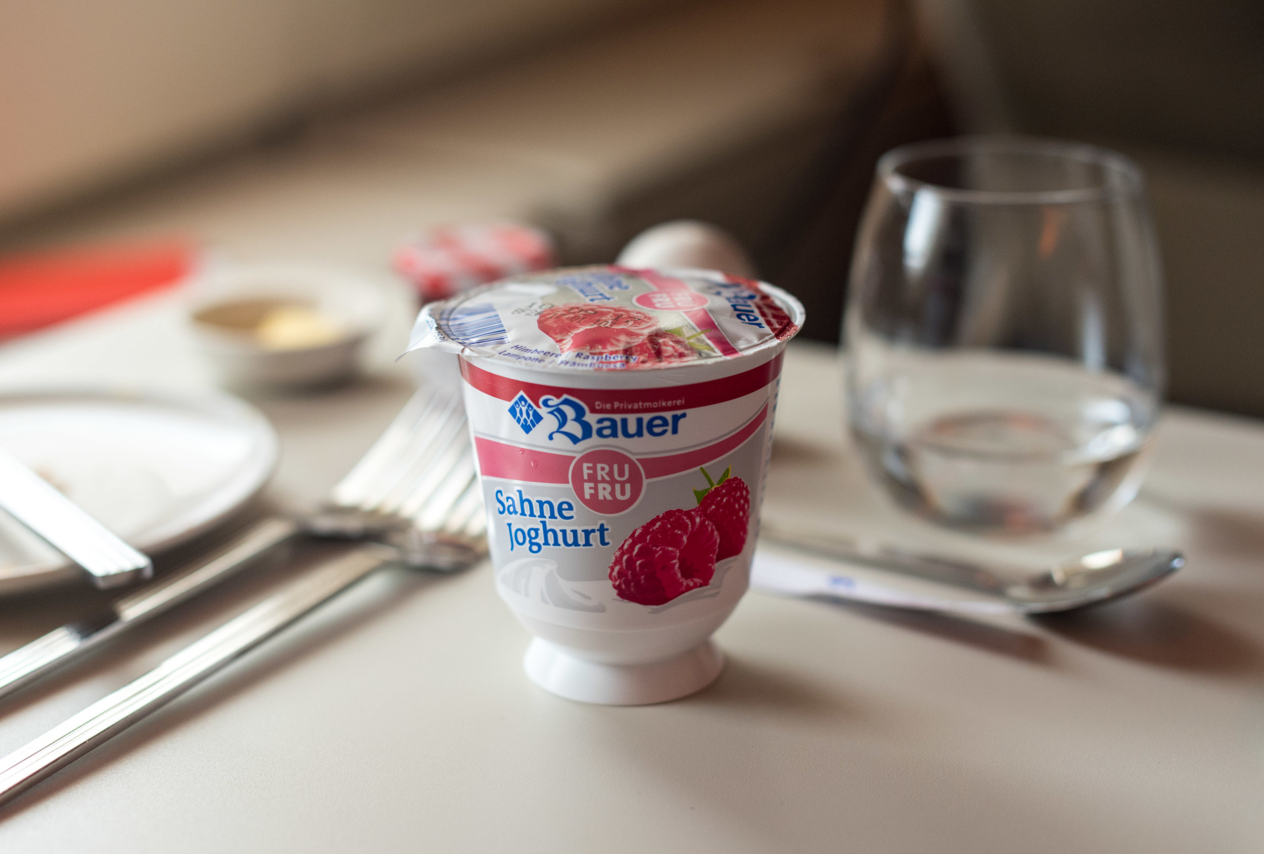 Strawberry Yoghurt - Brunch Service  Singapore Airlines SQ802 Business - SIN to PEK