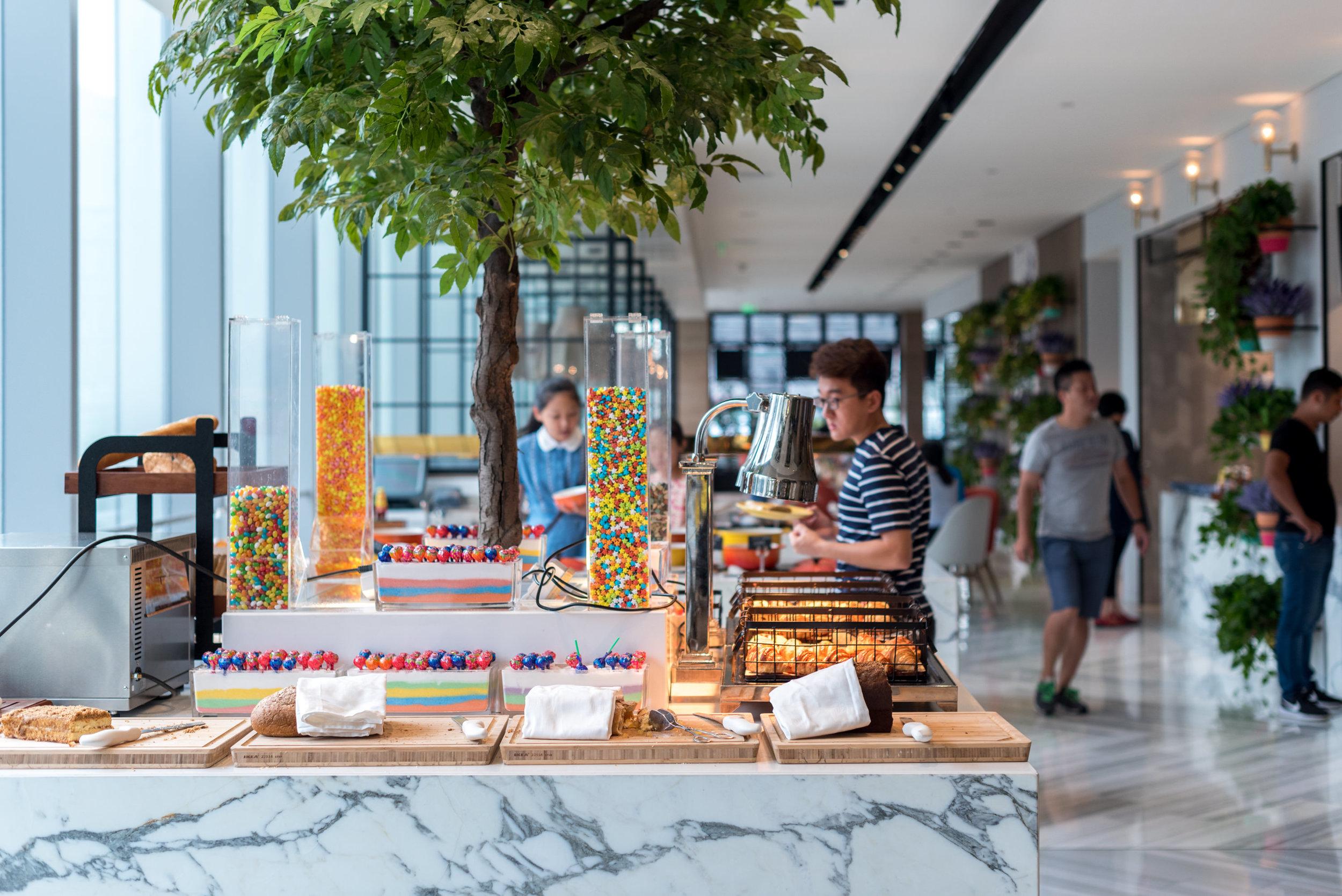 Buffet Breakfast  San Wu Tang Kitchen (三五堂) - Hotel Jen Beijing