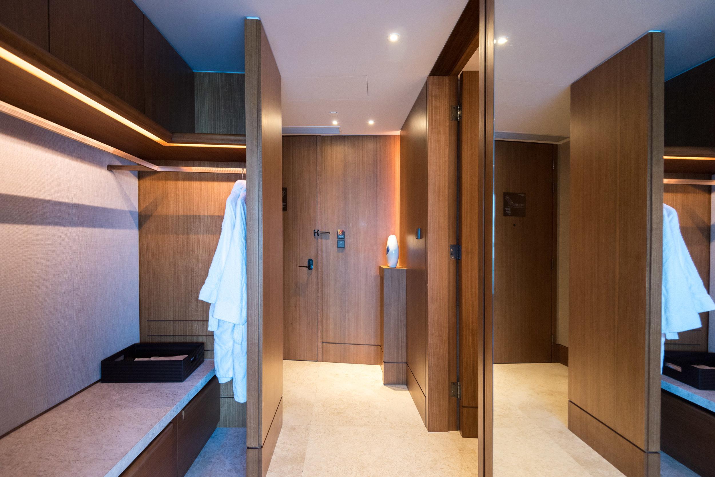 Room Entrance  Club Premier Sea View Room - Kerry Hotel, Hong Kong