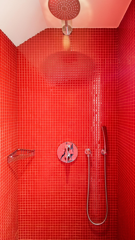 Shower Area  Art Executive Club Suite - The Vagabond Club, A Tribute Portfolio Hotel, Singapore