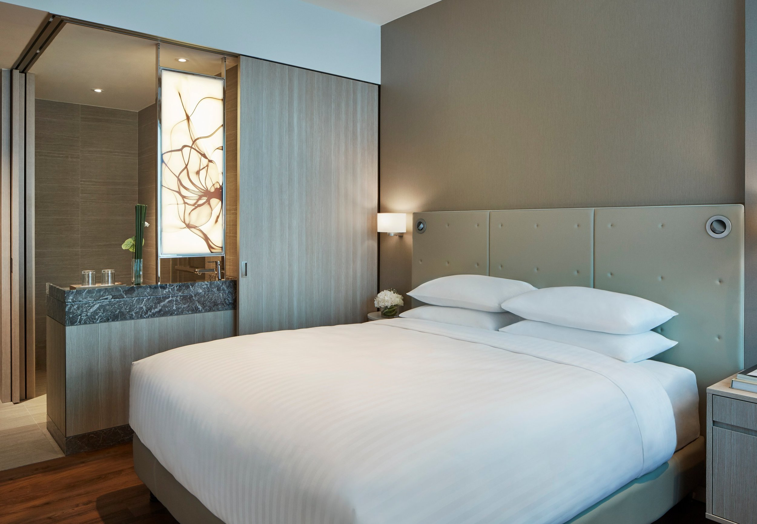 Deluxe Room | Photo Credit: Courtyard by Marriott Singapore Novena