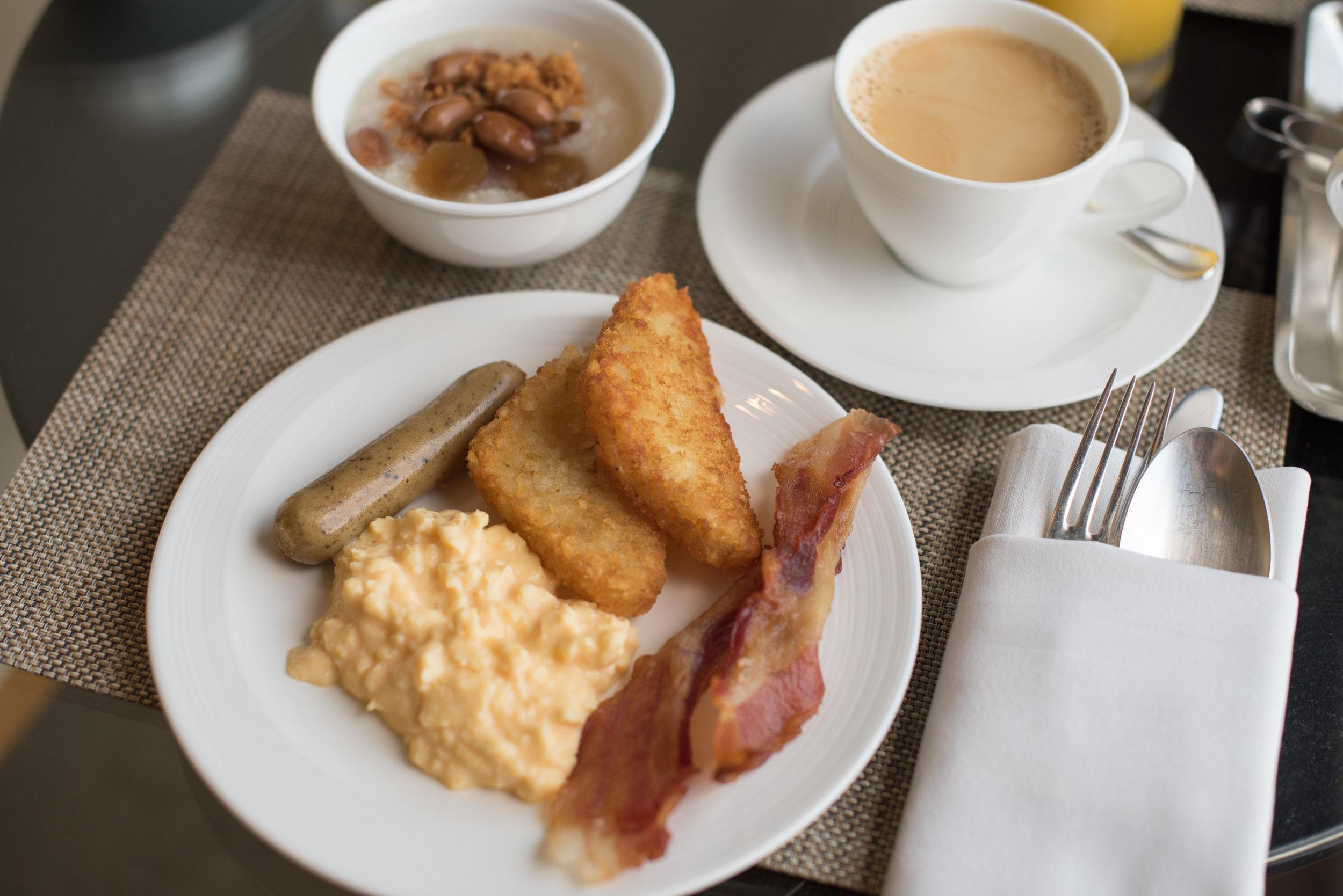 Breakfast  Executive Lounge - Conrad Centennial Singapore