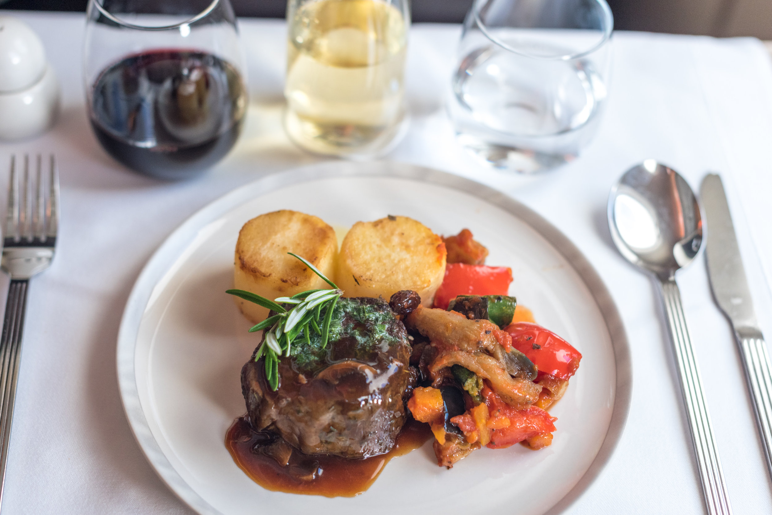 Grilled New Zealand Wakanui Beef Fillet - Lunch Service  Singapore Airlines Business Class SQ286 A380-800 - AKL to SIN