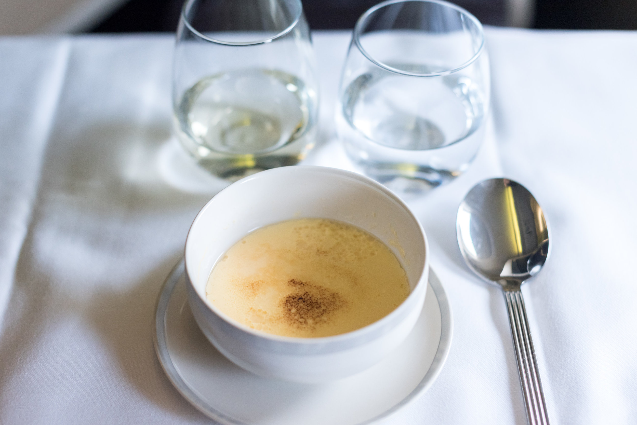 Crème Brûlée - Light Dinner Service  Singapore Airlines Business Class SQ286 A380-800 - AKL to SIN