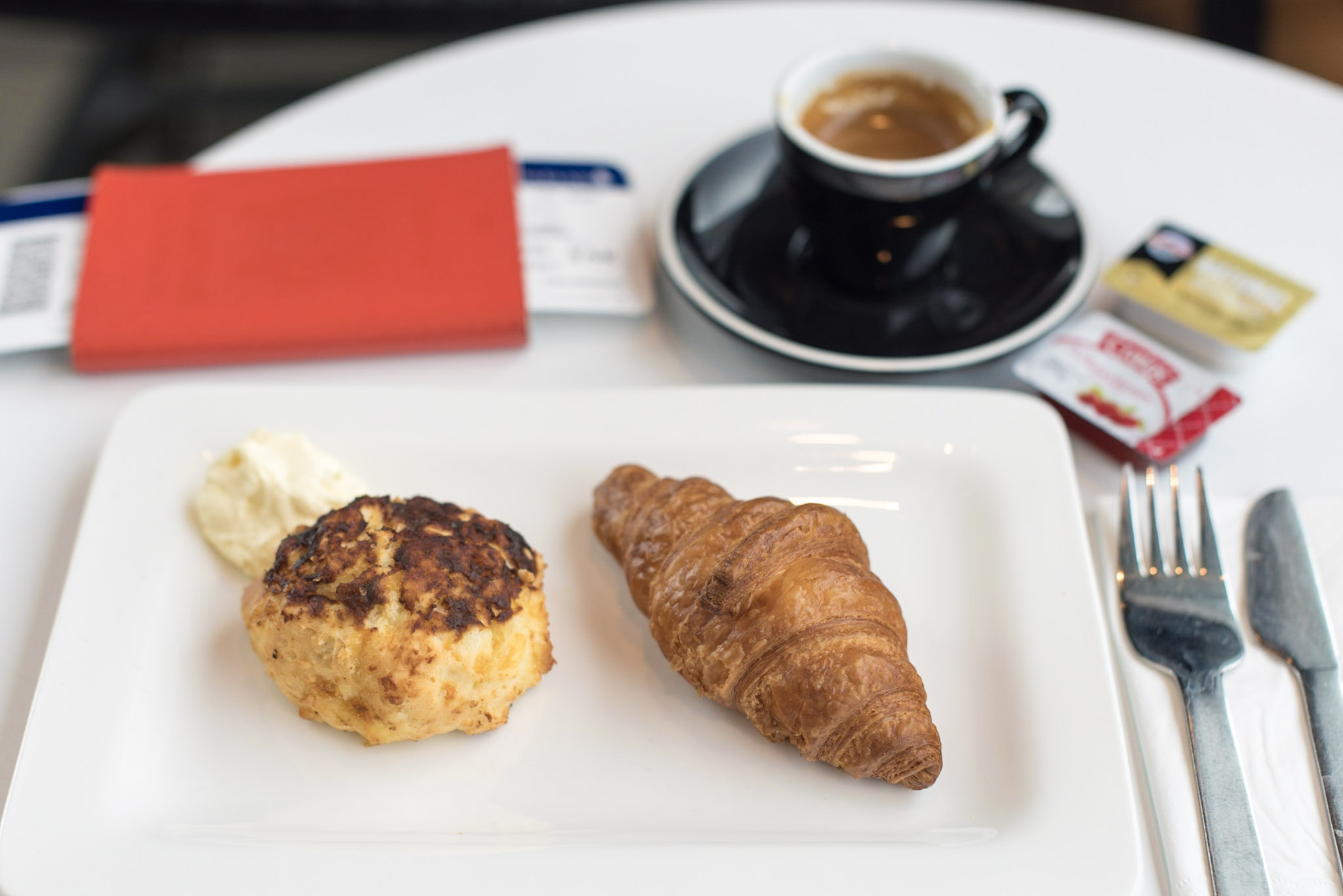 Light Breakfast and Coffee  Air New Zealand Auckland International Lounge