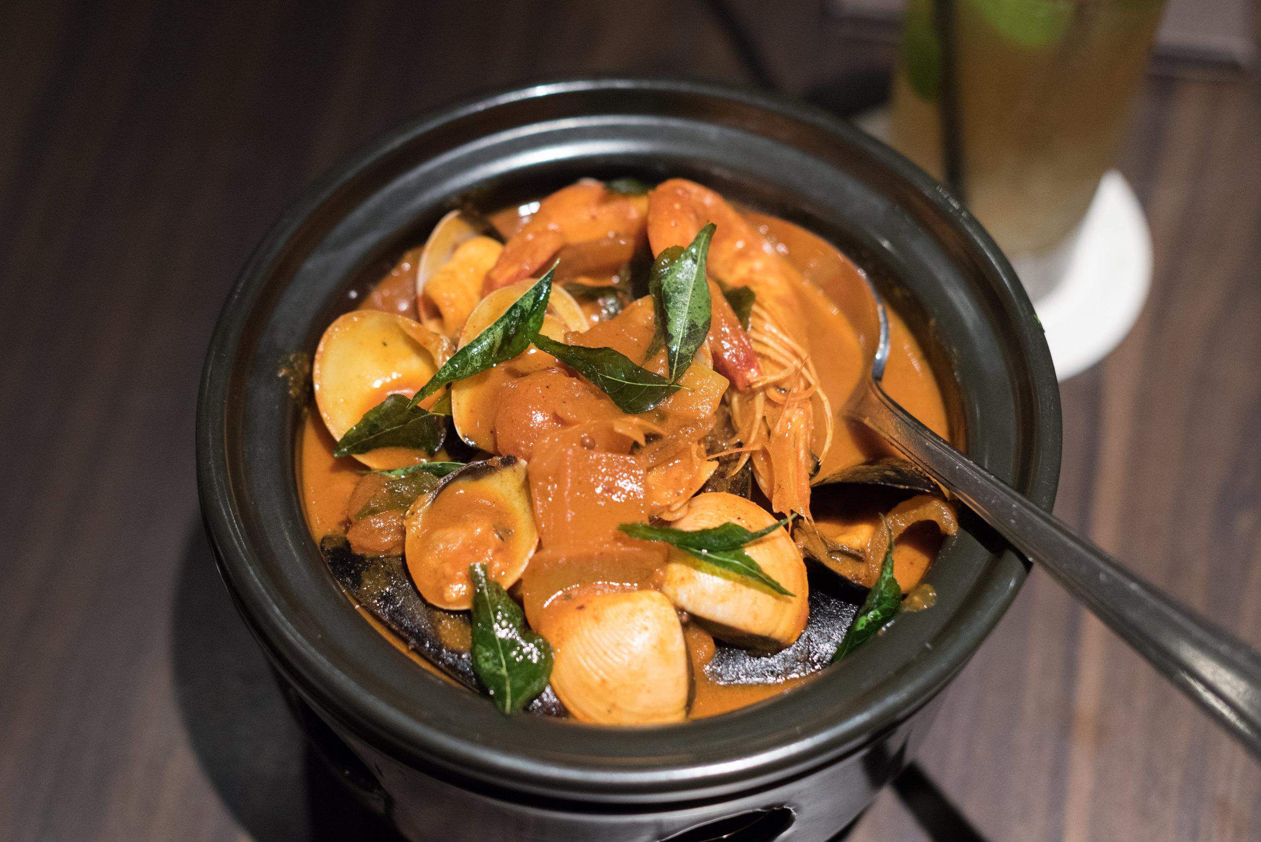 Seafood Curry  White Rose Café - York Hotel Singapore