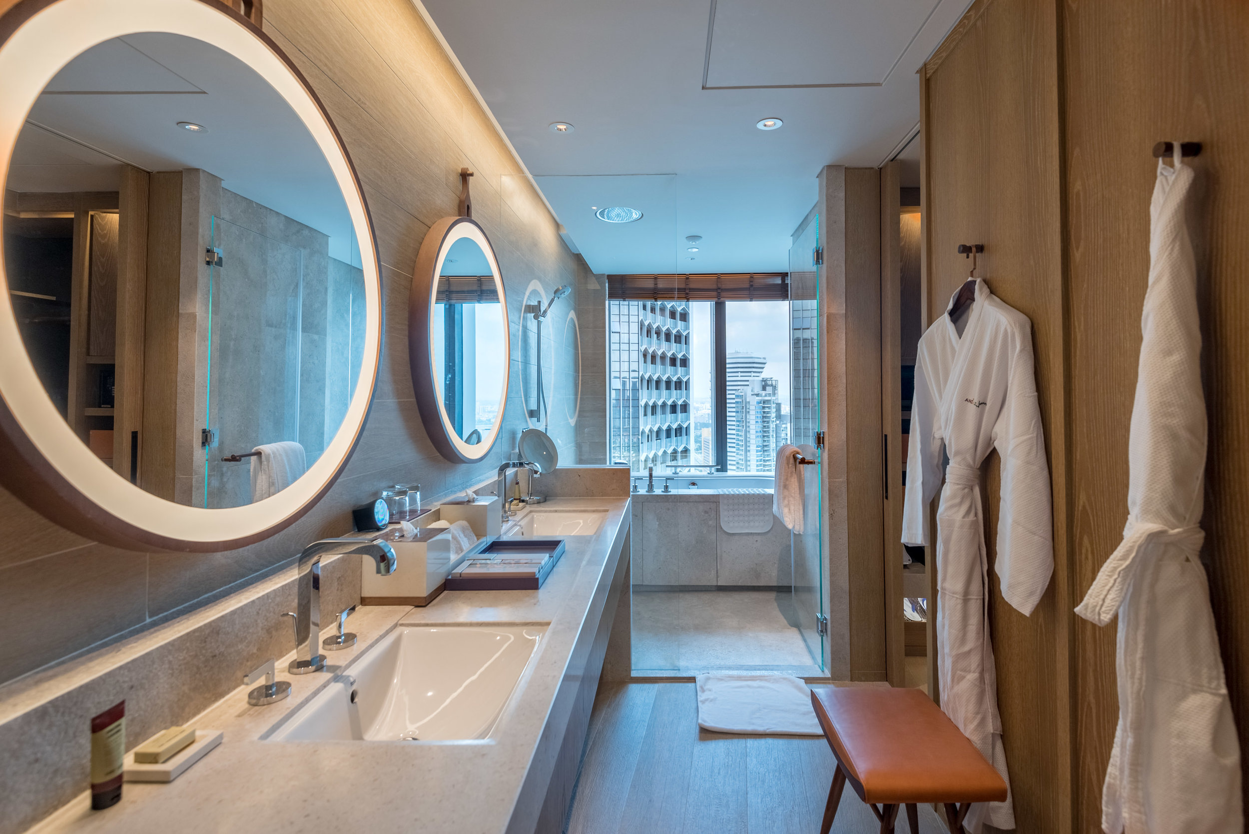 Bathroom  Andaz Suite King - Andaz Singapore