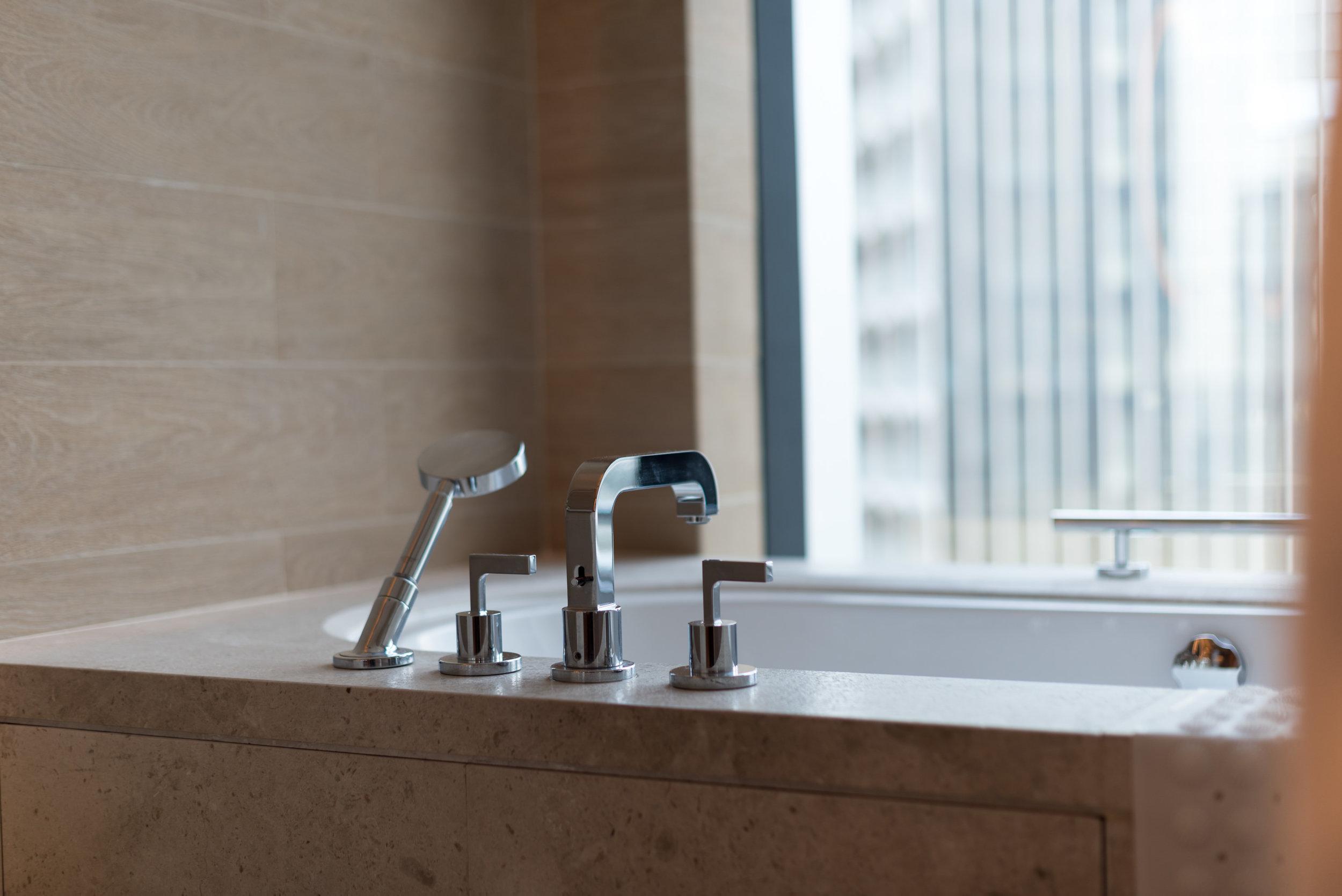 Bathtub  Andaz Suite King - Andaz Singapore