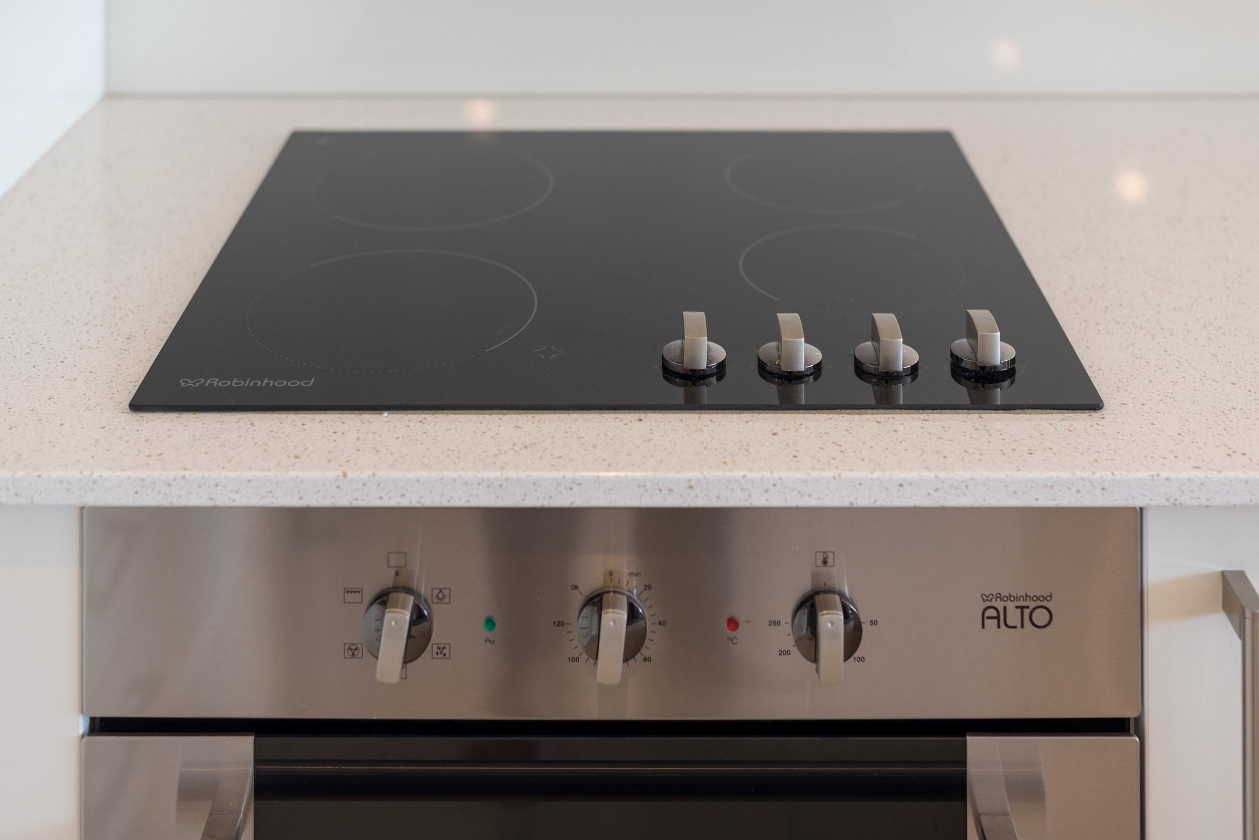 Induction Cooktop and Oven  King Residence Suite - Rydges Auckland