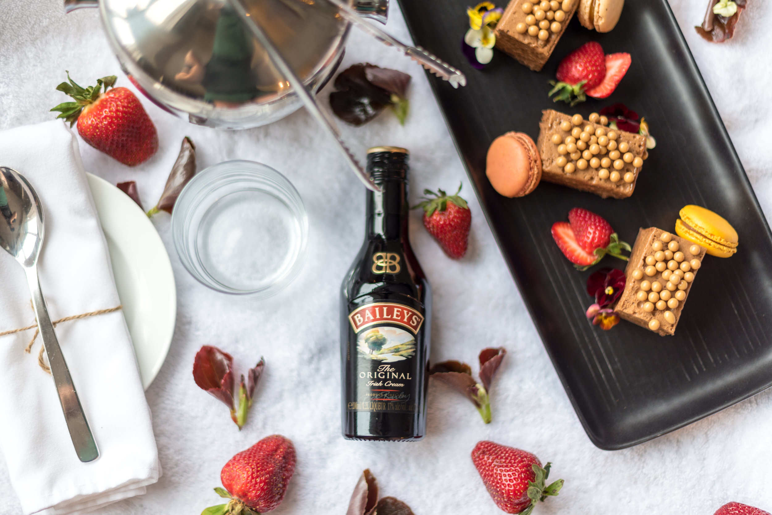 Baileys and Desserts  King Residence Suite - Rydges Auckland