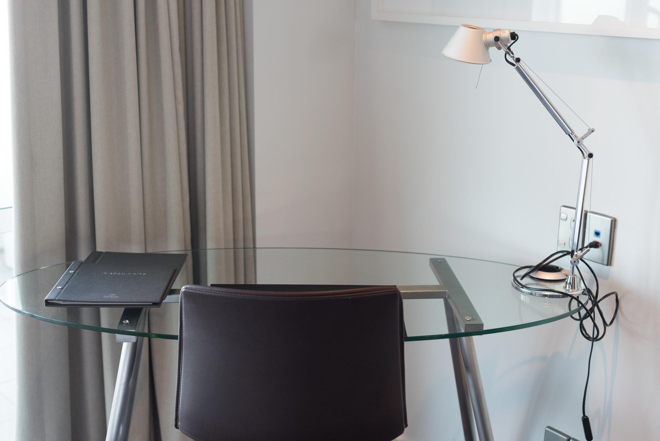 Work Desk  Deluxe Harbour View Room - Hilton Auckland
