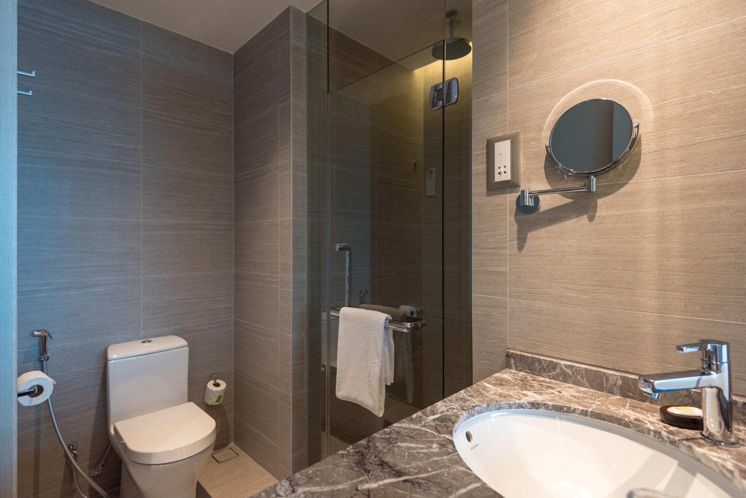 Bathroom  Premier Skyline Room - Courtyard by Marriott Singapore Novena