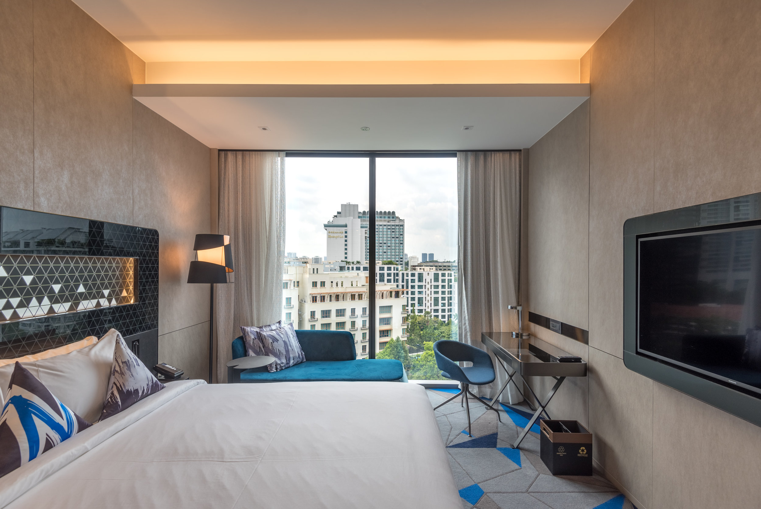 Bedroom  Premier Room - Novotel Singapore on Stevens