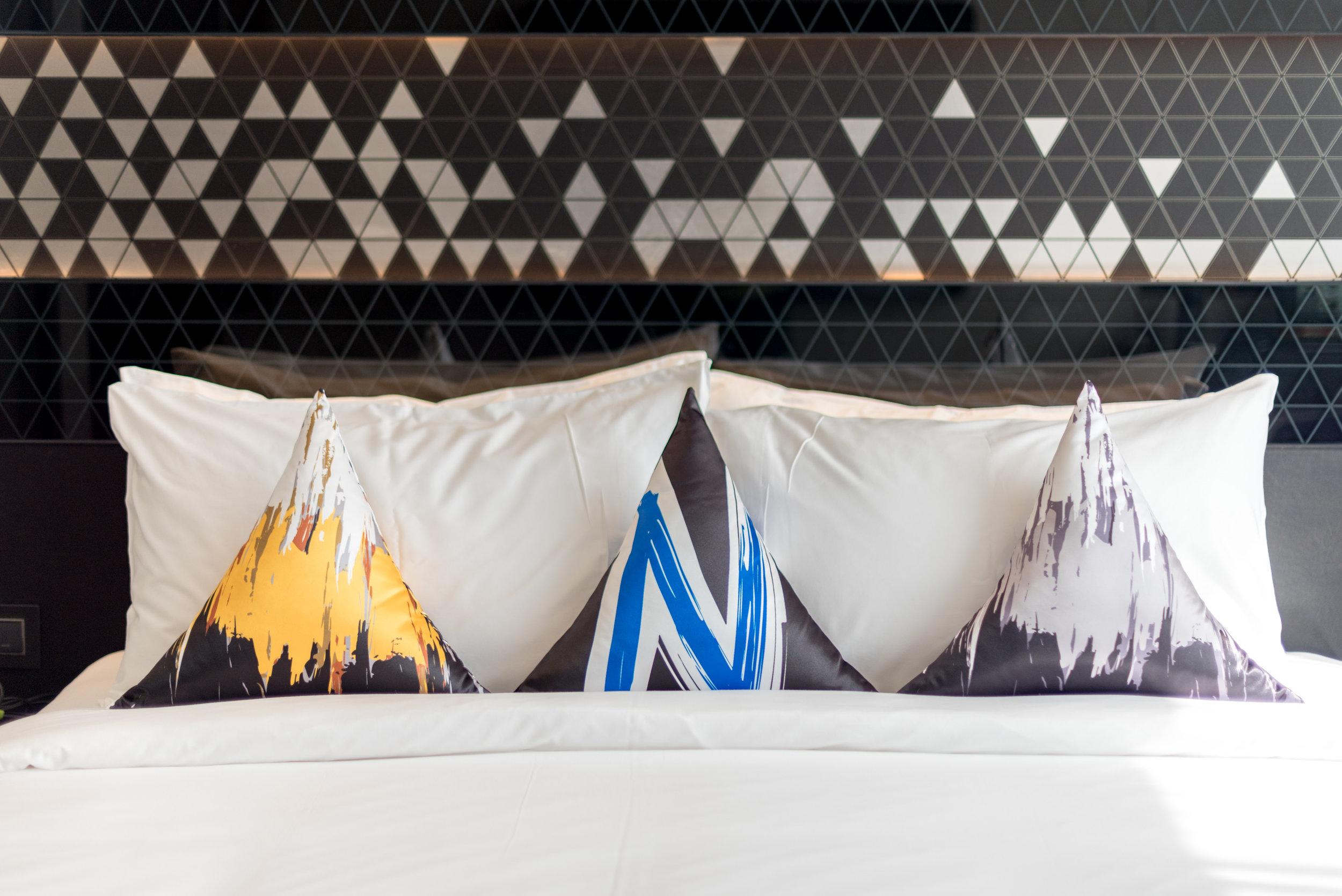 King-size Bed  Premier Room - Novotel Singapore on Stevens