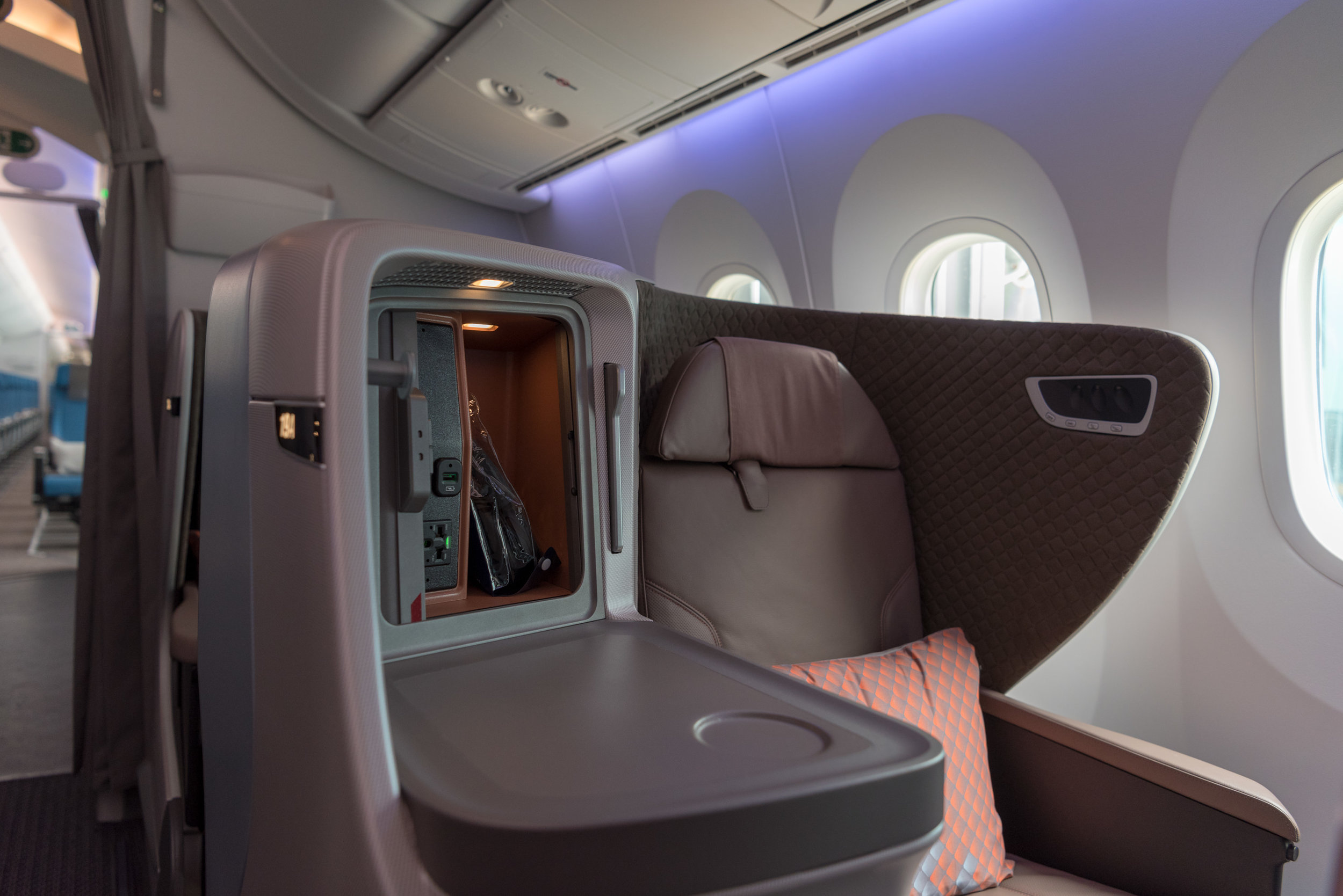 Seat New Regional Business Class (2018) - Singapore Airlines