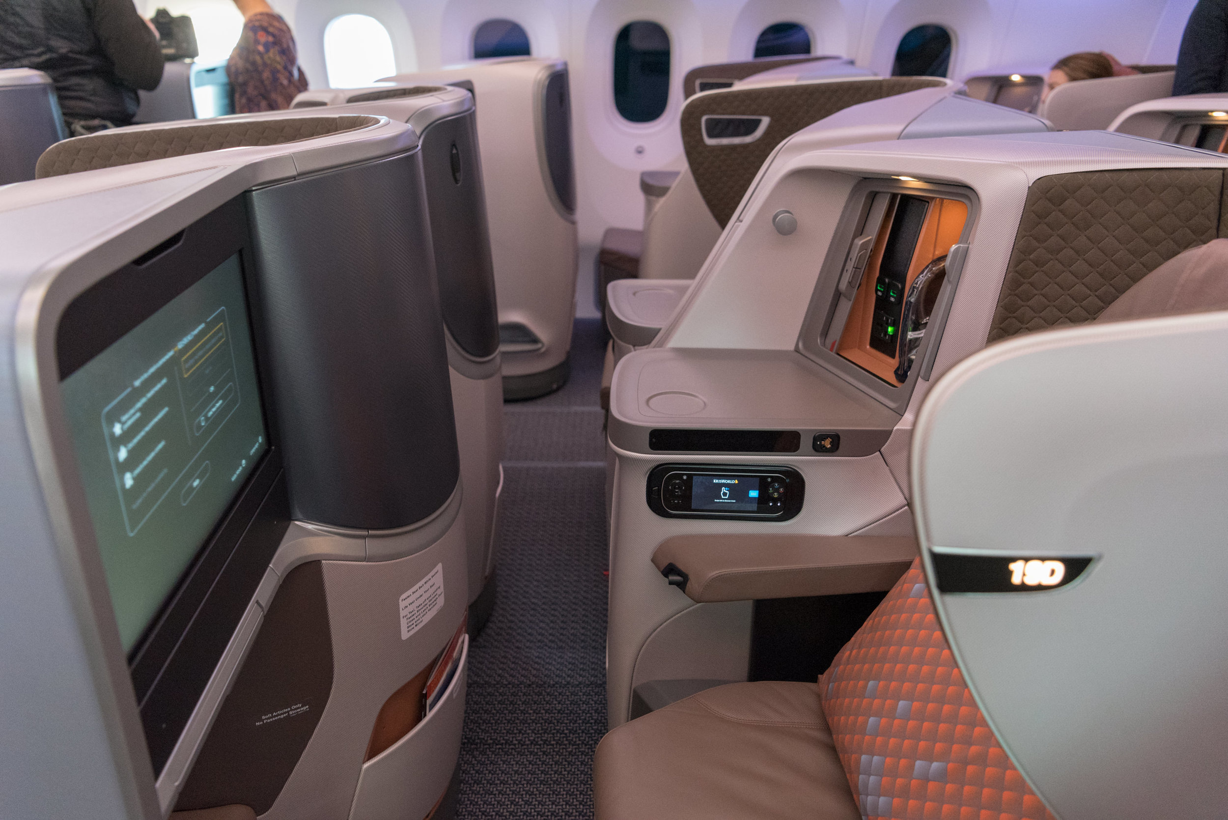Alternating Middle Seats  New Regional Business Class (2018) - Singapore Airlines