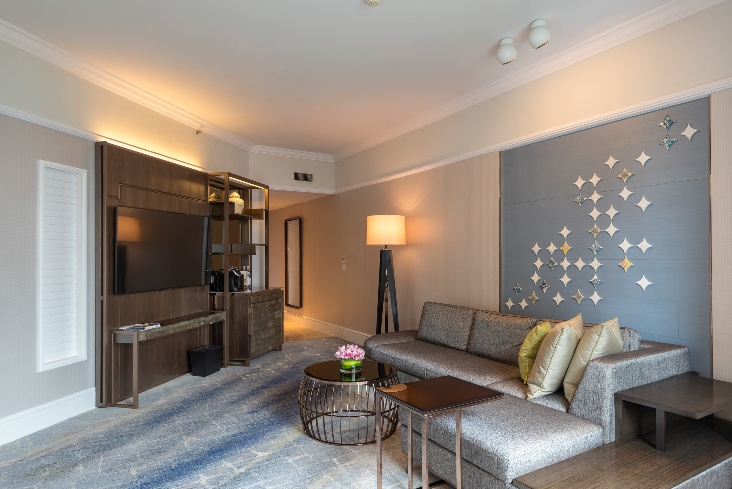 Living Room  Four Seasons Executive Suite - Four Seasons Hotel Singapore