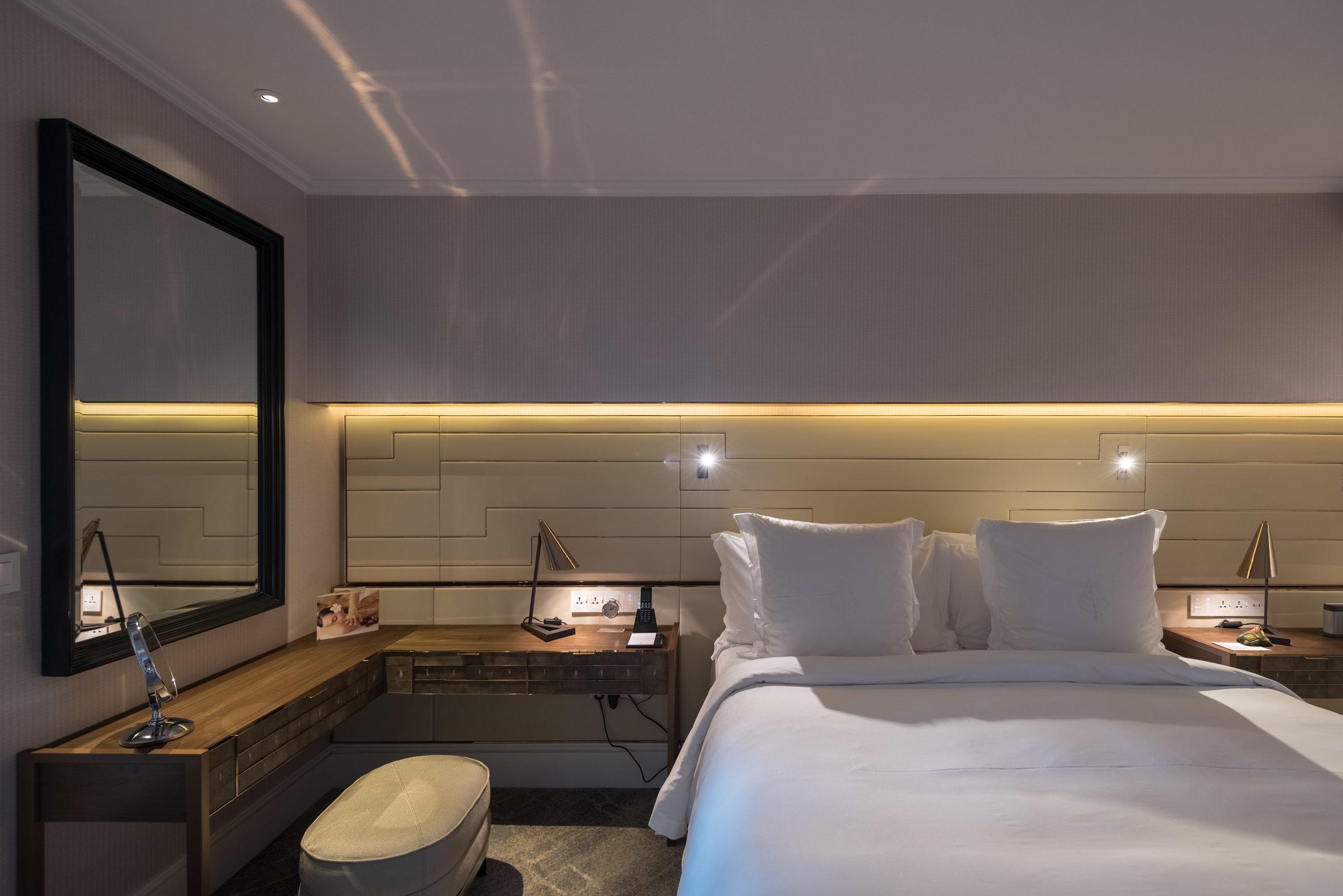 Bedroom  Four Seasons Executive Suite - Four Seasons Hotel Singapore