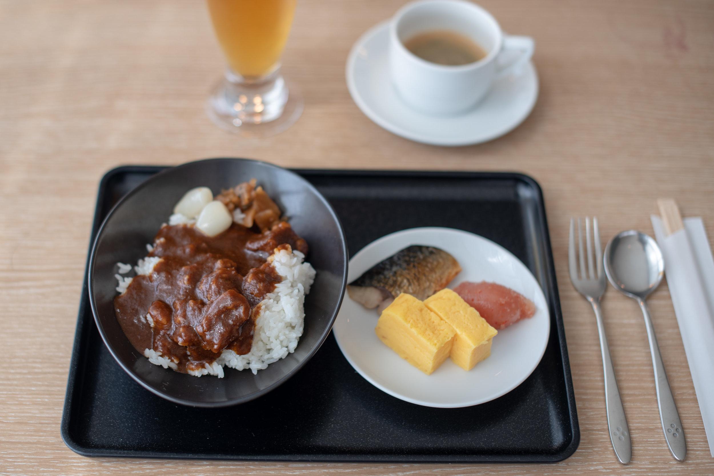 Breakfast  Japan Airlines Sakura Lounge Skyview - Haneda Airport (HND)