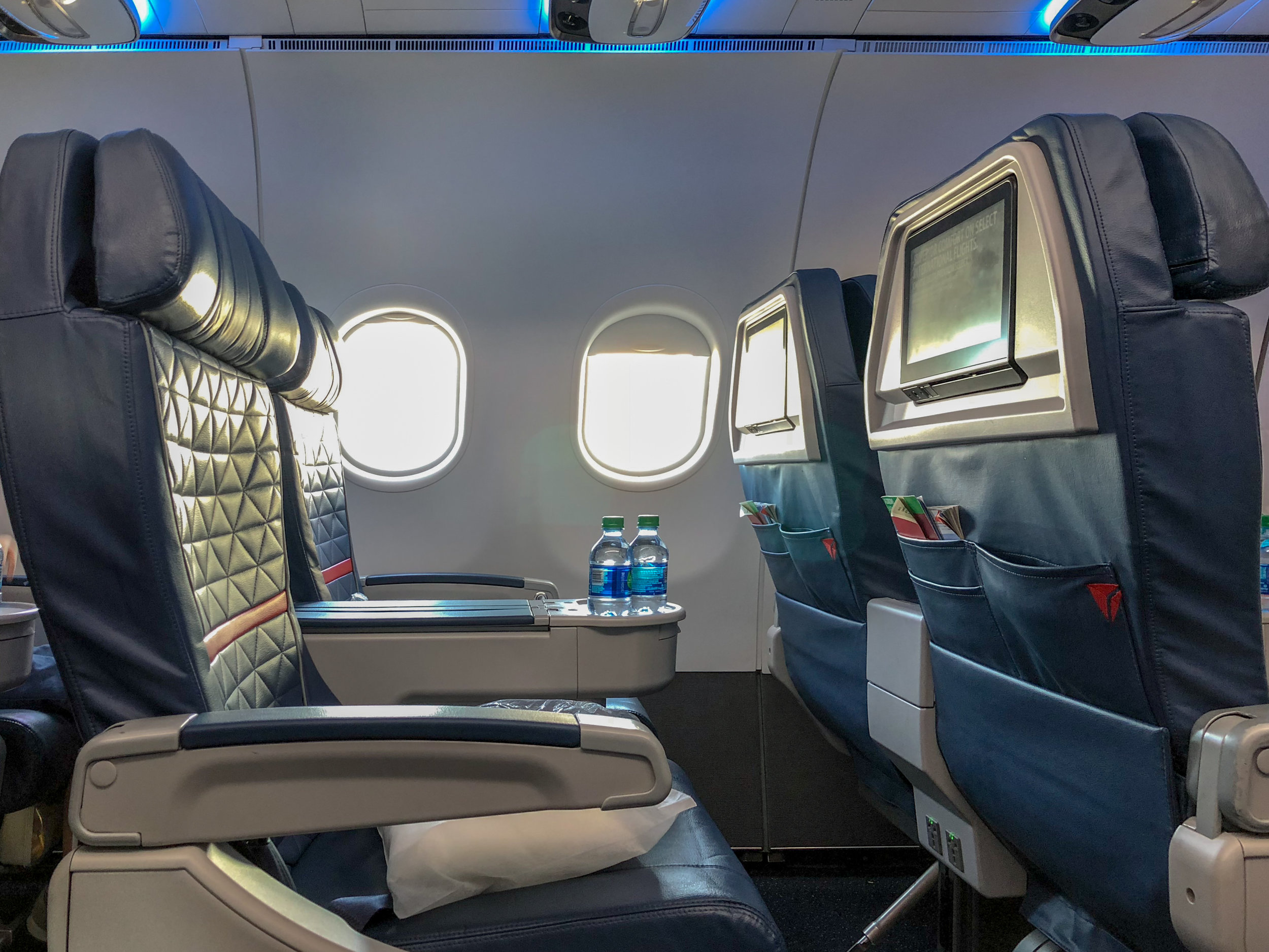 Delta Air Lines First Class - DL44 (MCO-JFK)