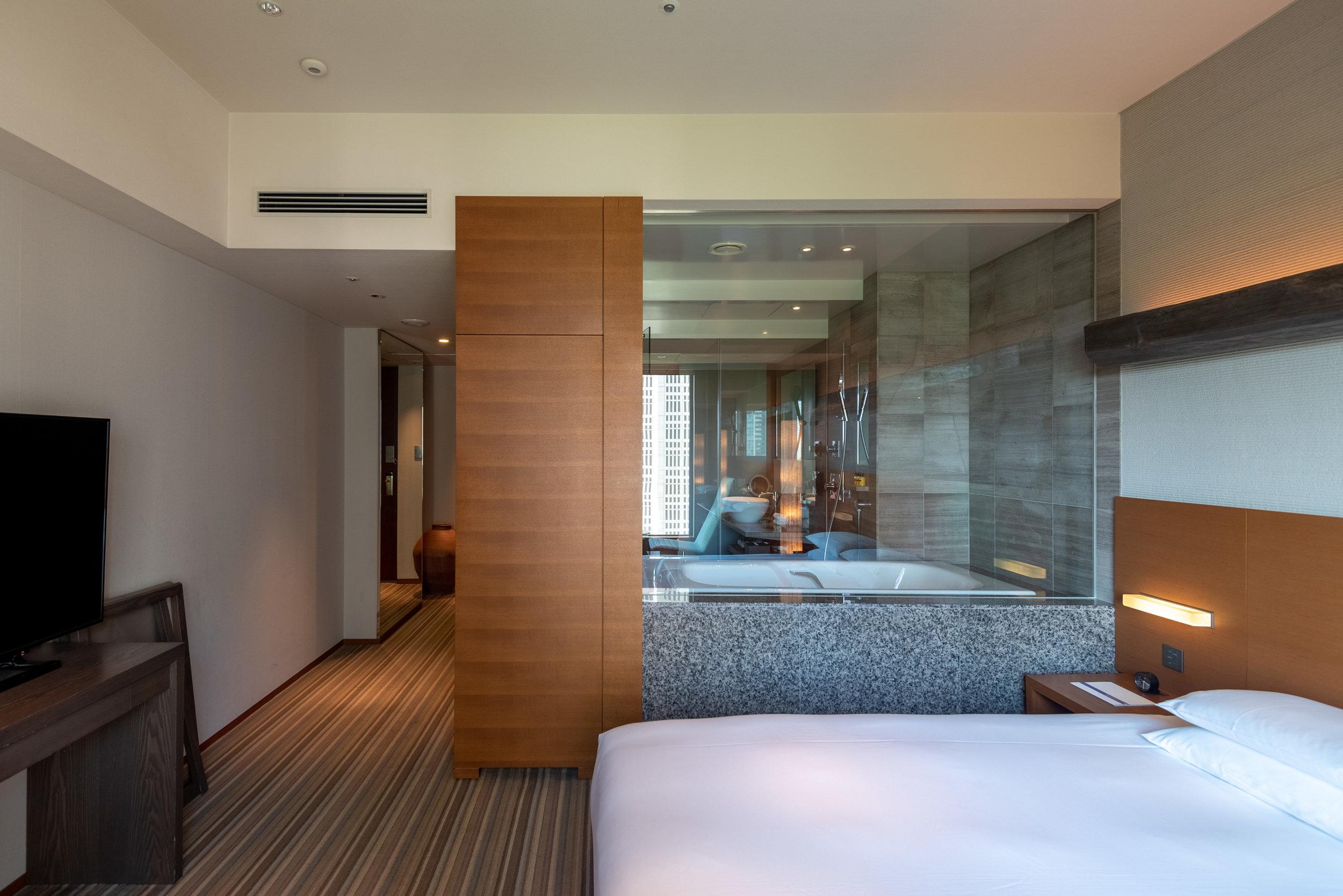 Bedroom  Regency Club Room - Hyatt Regency Tokyo