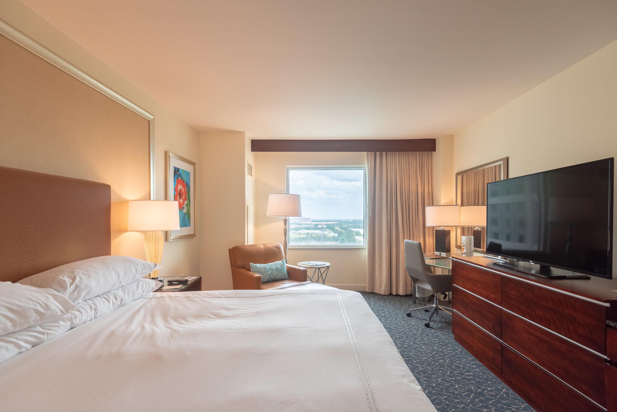 Bedroom  Pool View Room - Hilton Orlando