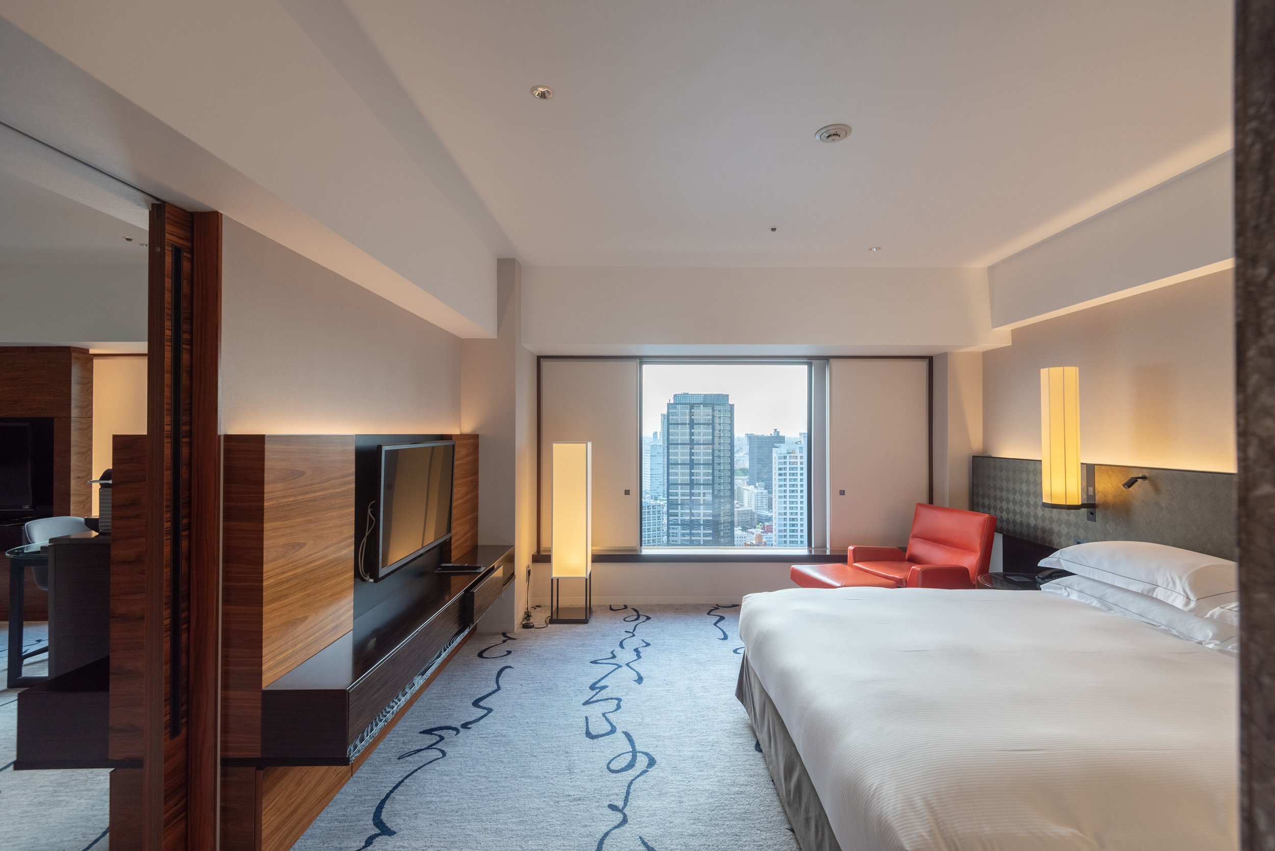 Bedroom  King Tower Suite Executive - Hilton Tokyo