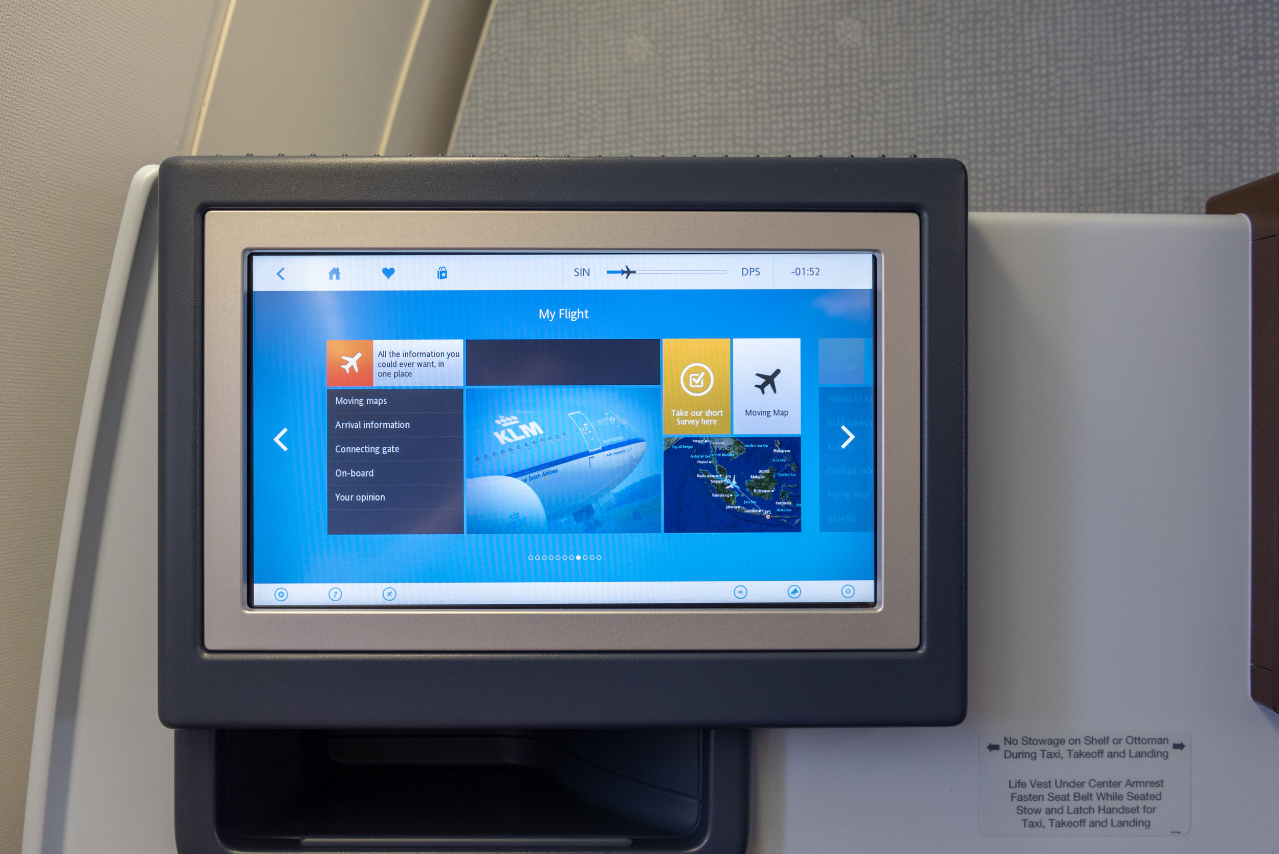 Touchscreen  KLM Business Class KL835 777-300ER - SIN to DPS
