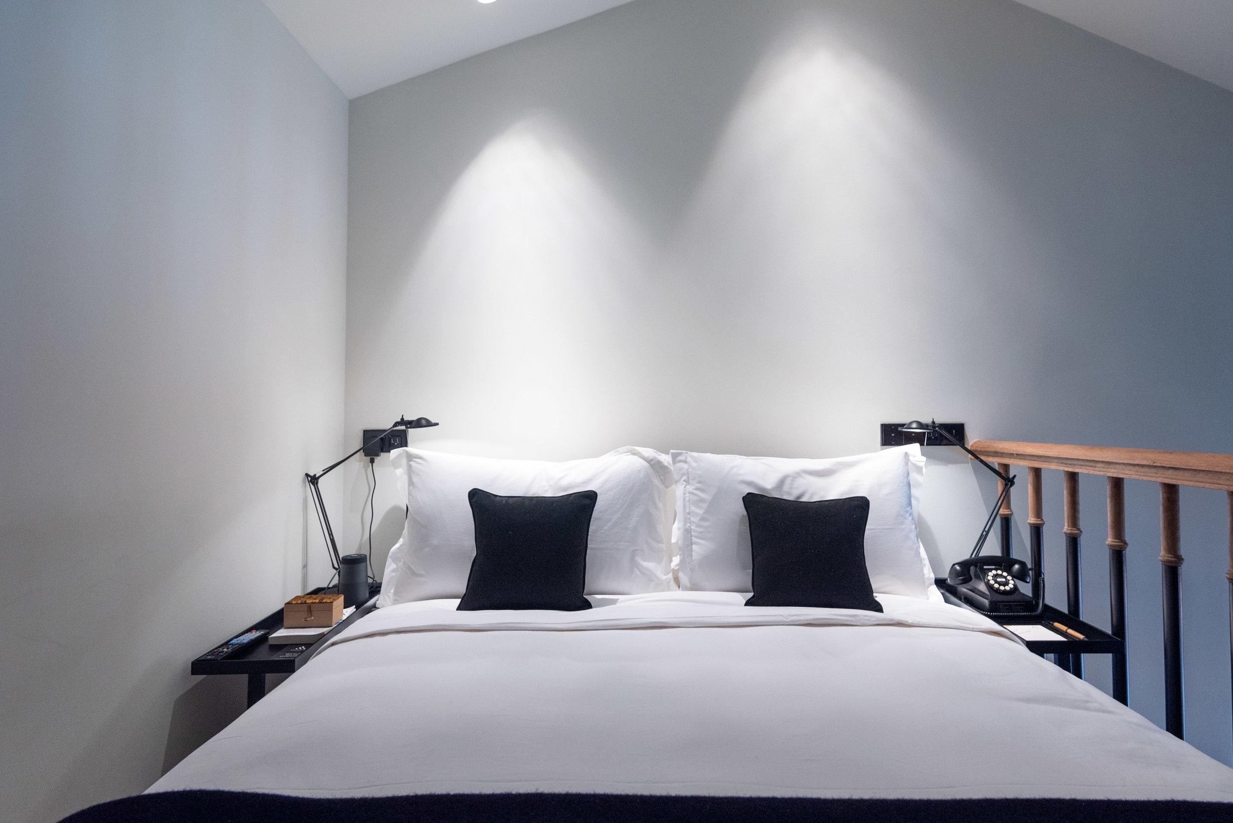 Bed (Upper Level)  Duxton Duplex Suite - Six Senses Duxton
