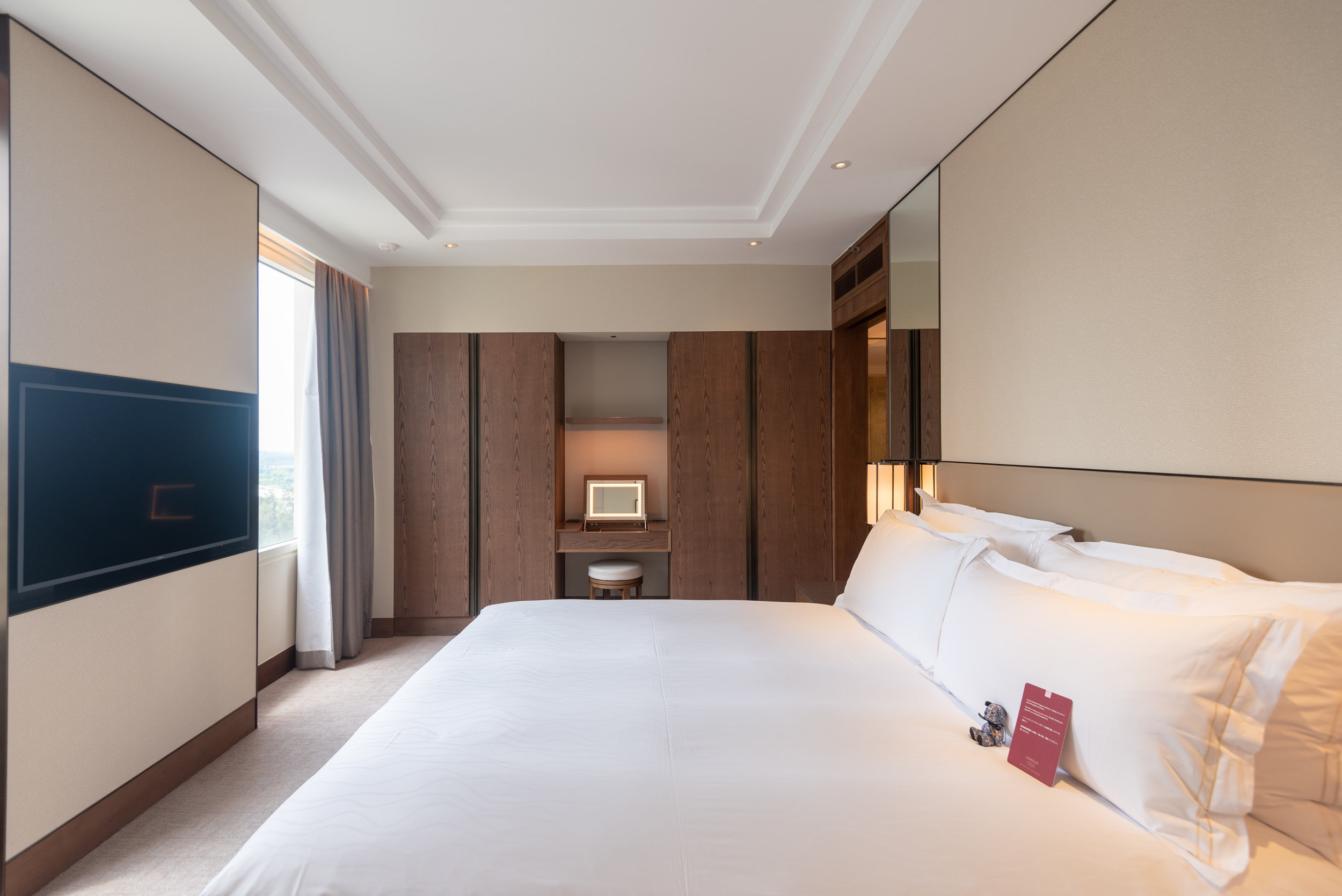 Bedroom  Centennial Suite - Conrad Centennial Singapore