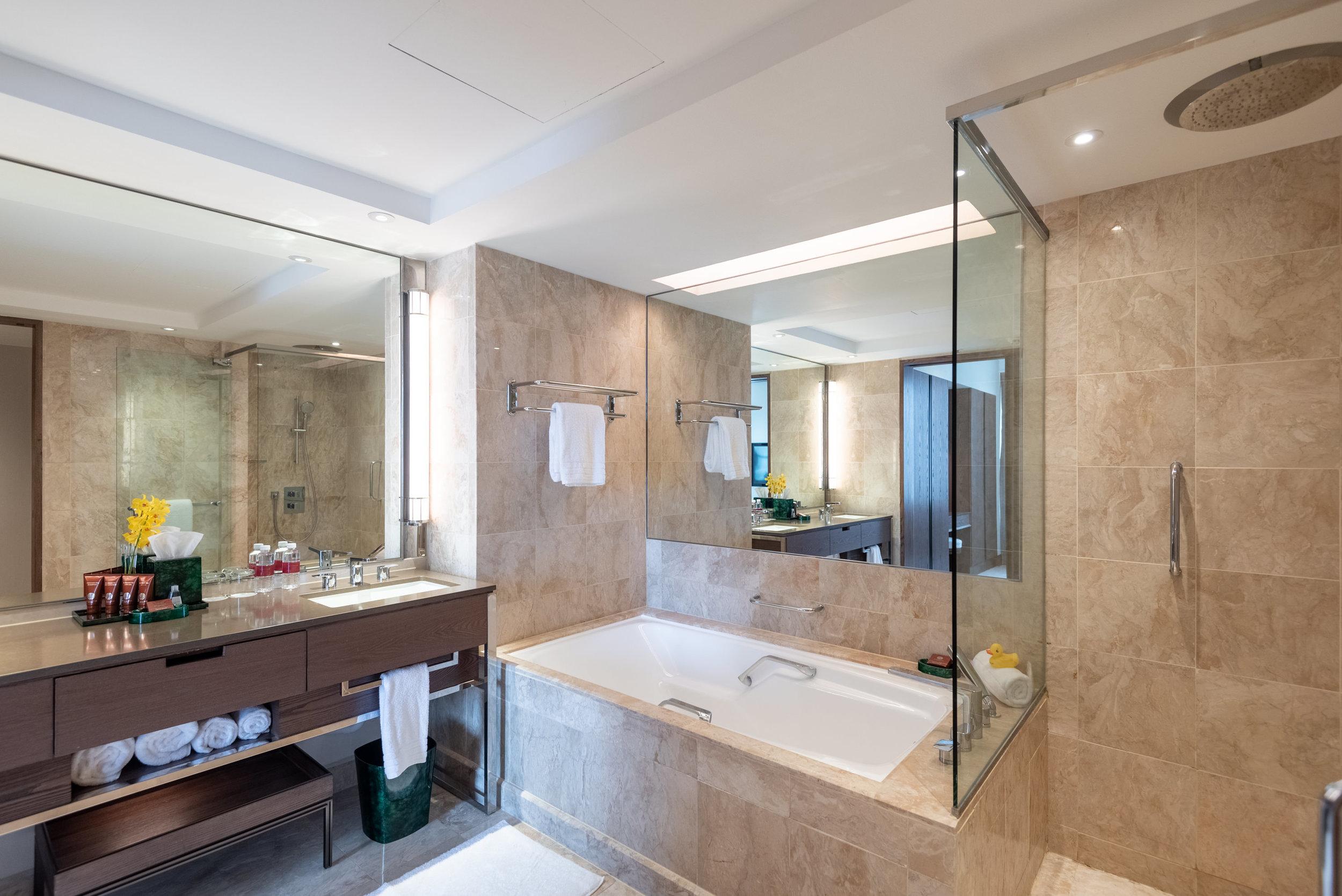 Bathroom  Centennial Suite - Conrad Centennial Singapore