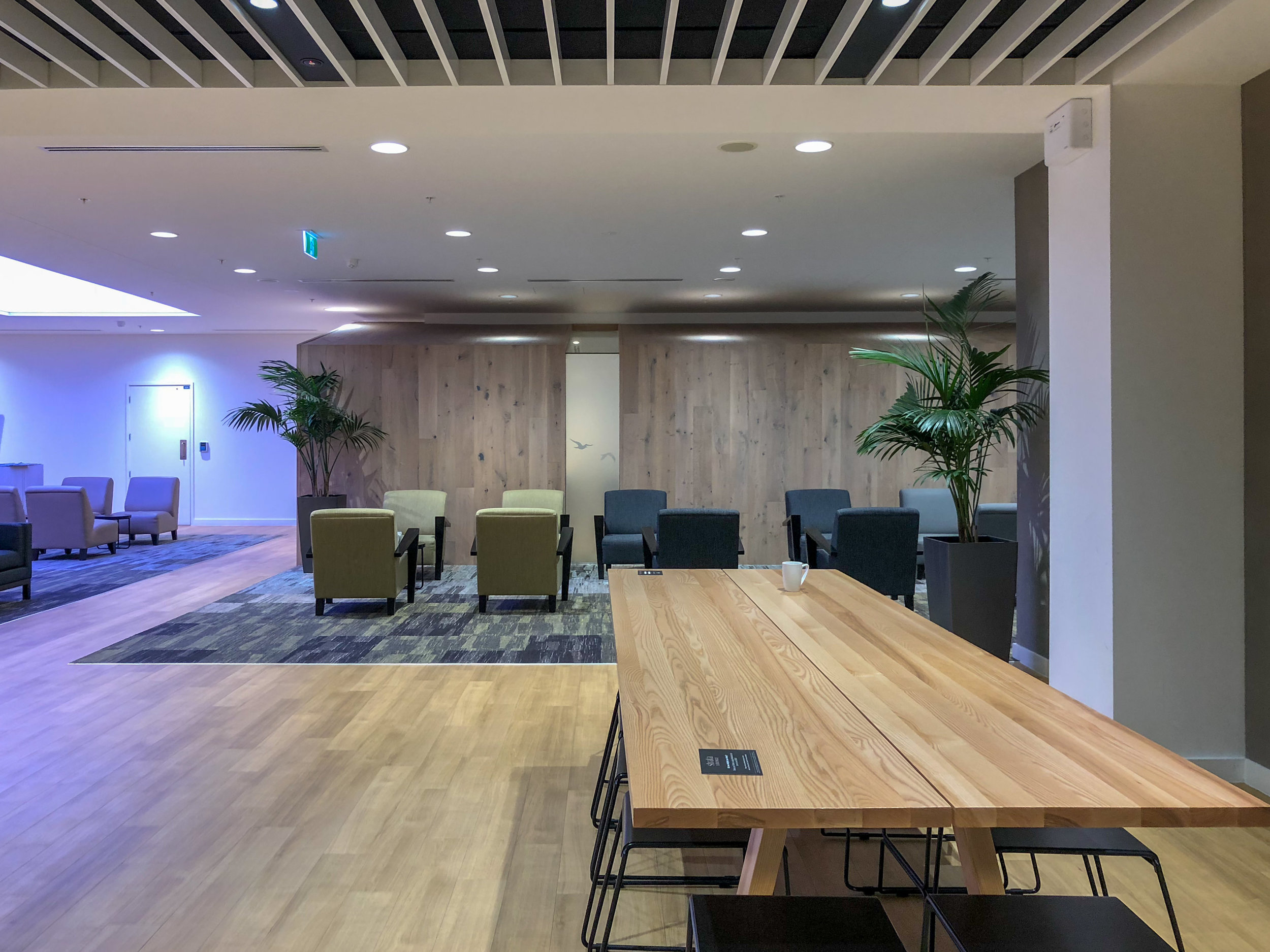 Communal Seating Area  Strata Lounge - Auckland Airport (AKL)