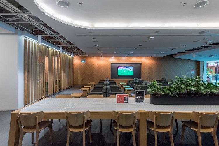Qantas Lounge - Singapore Changi Airport (SIN)