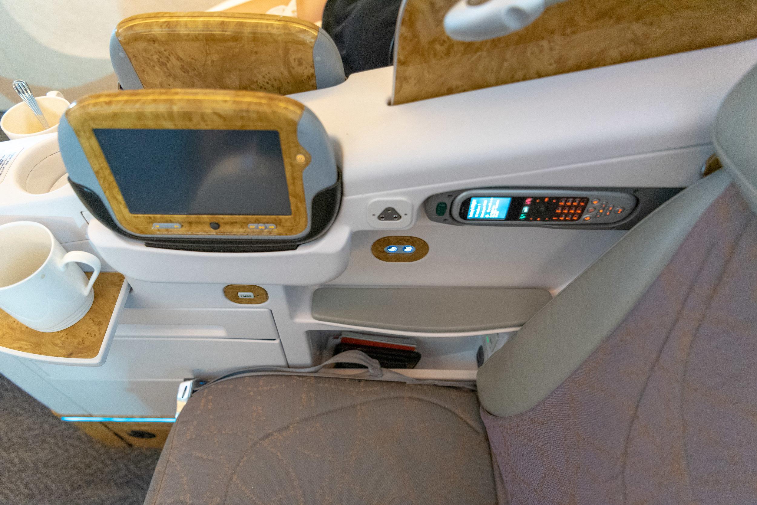 Seat 9J  Emirates EK352 Business Class 777-300ER - DXB to SIN