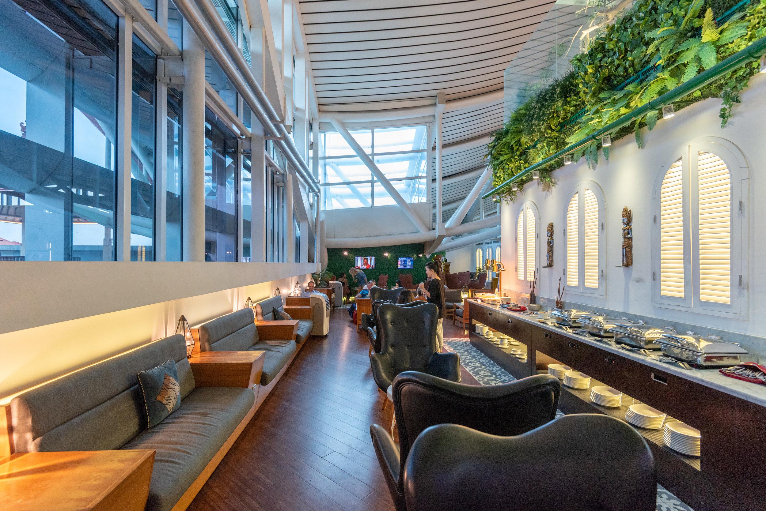 Natural Light  T/G Lounge - Ngurah Rai International Airport (DPS)