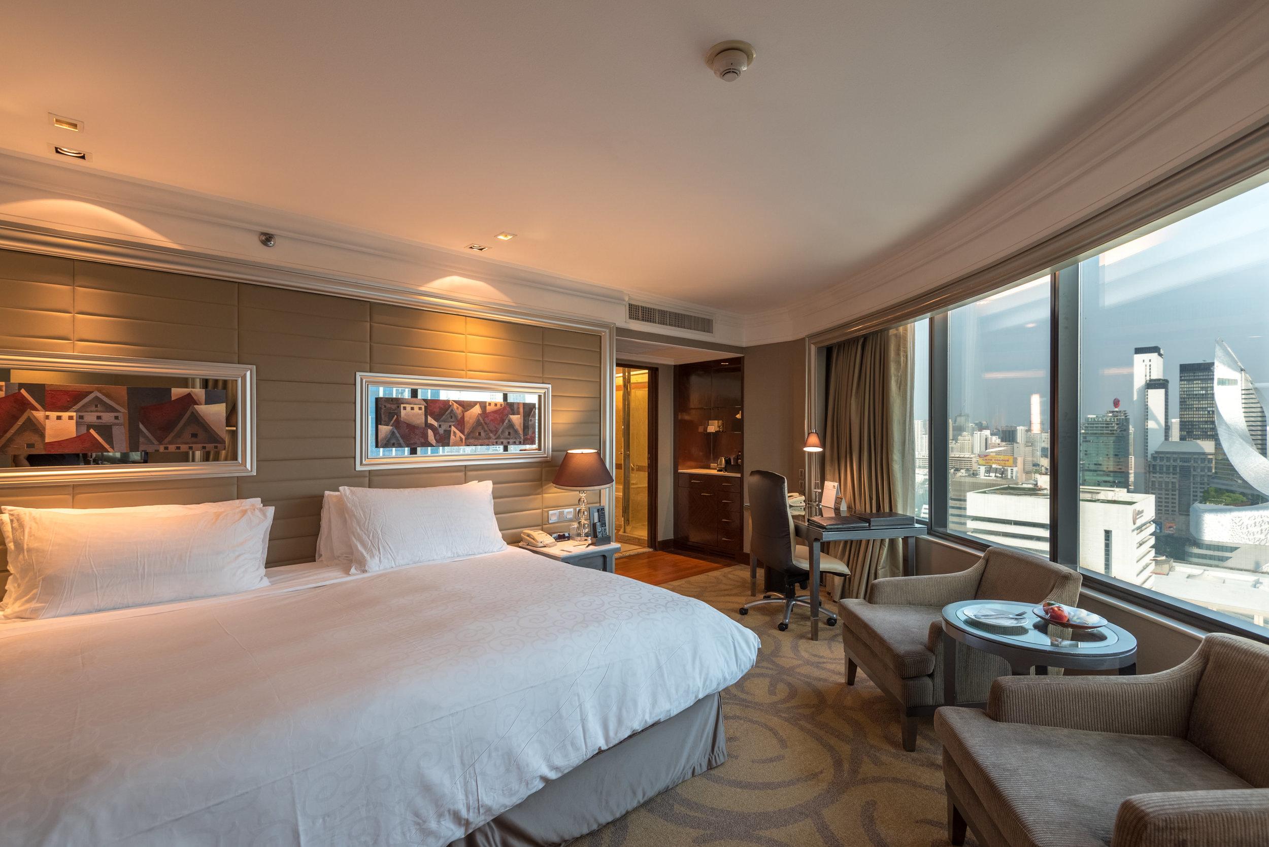 Bedroom  Executive Deluxe Room — InterContinental Bangkok