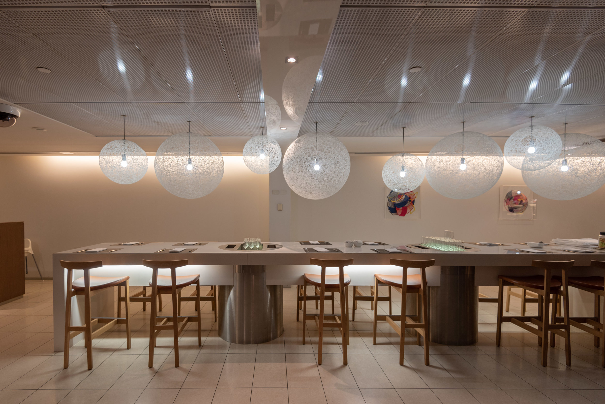 Dining Area  Qantas International Business Lounge - Melbourne Airport (MEL)