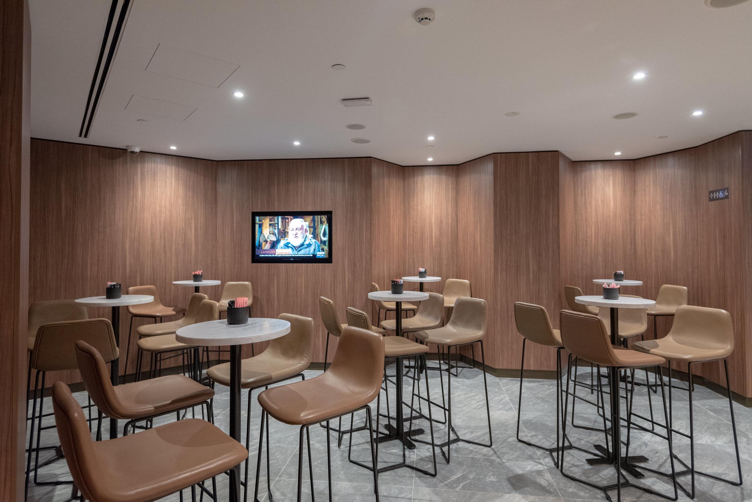 Bar Area  Plaza Premium Lounge - Melbourne Airport (MEL)