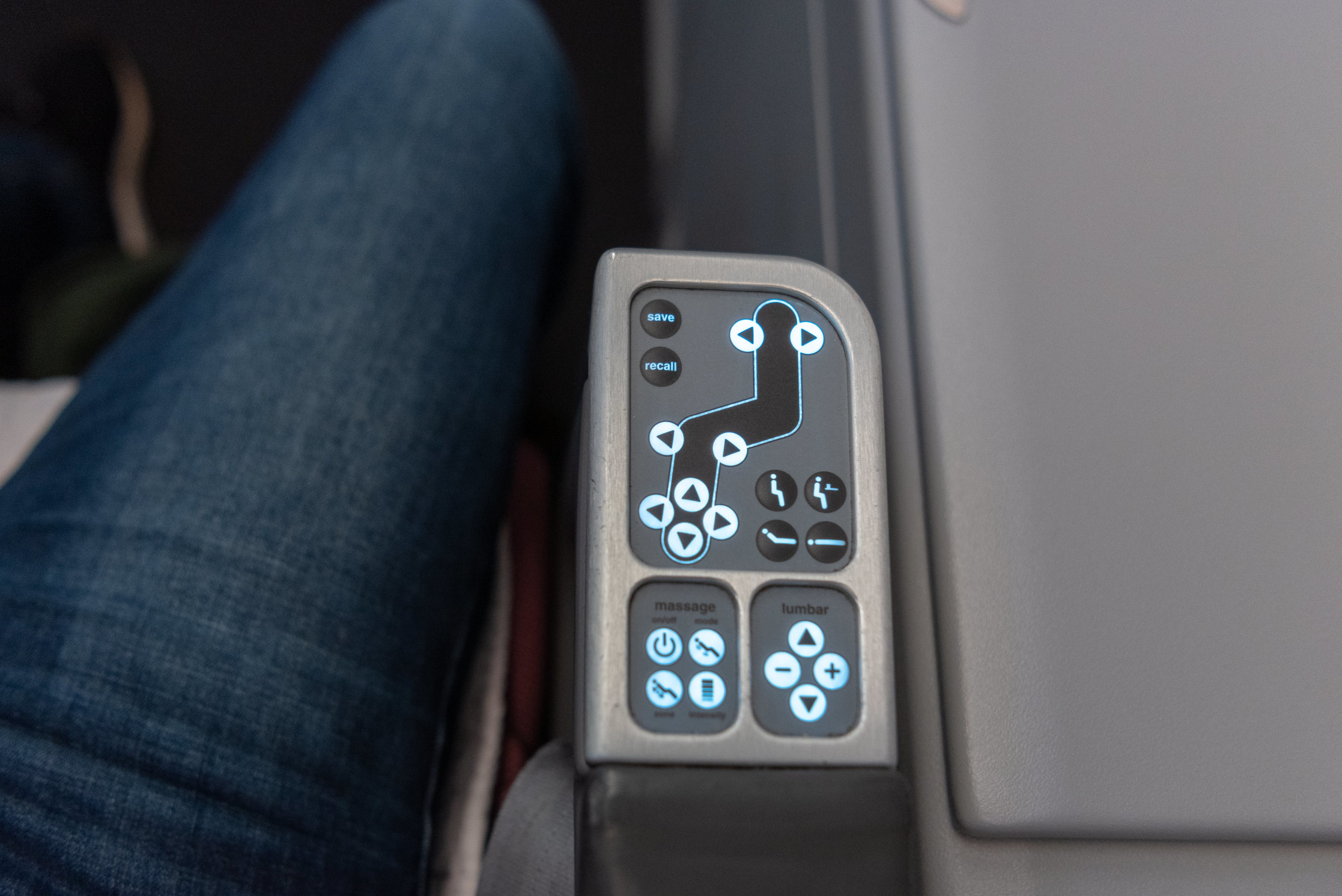 Seat Controls  Qantas Business Class QF36 A380-800 - SIN to MEL