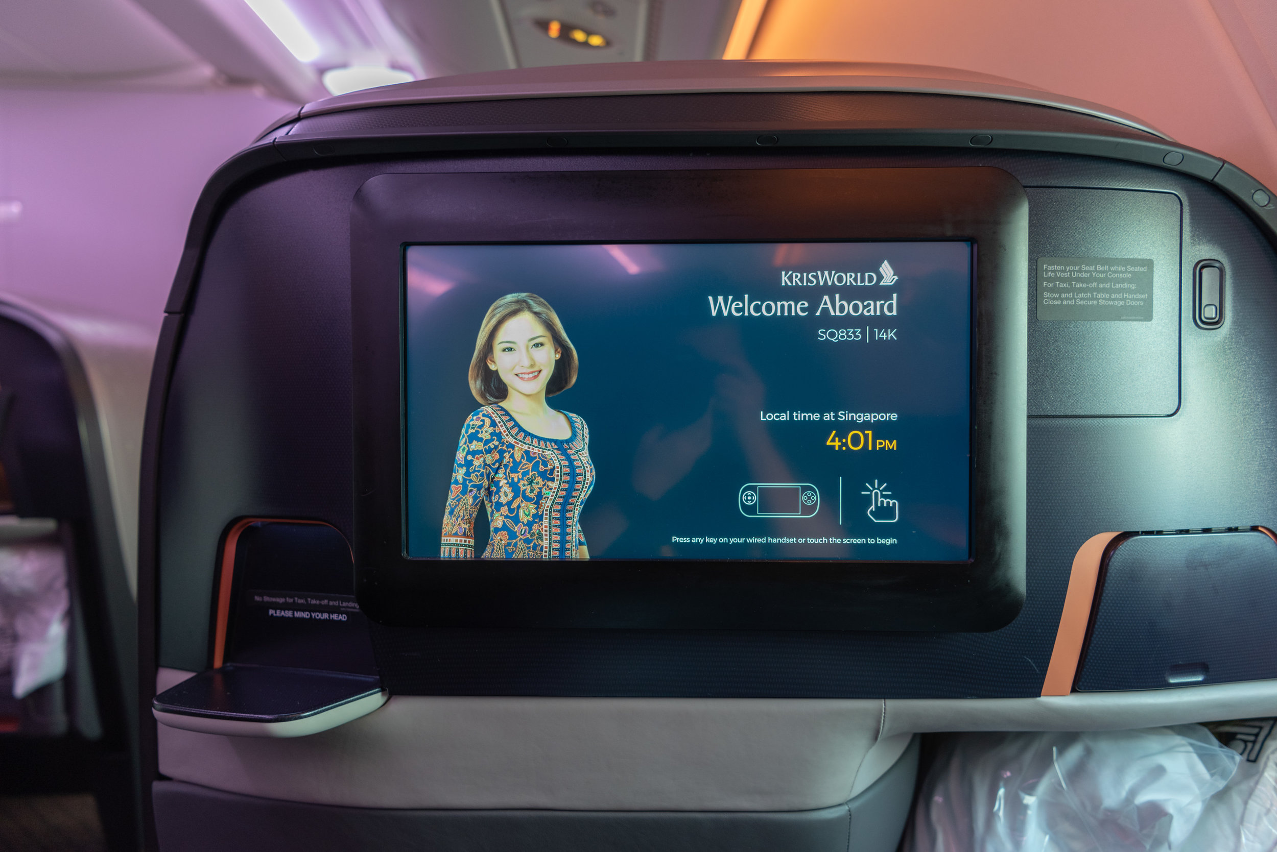 IFE Screen  Singapore Airlines Business Class SQ833 A380-800 - PVG to SIN