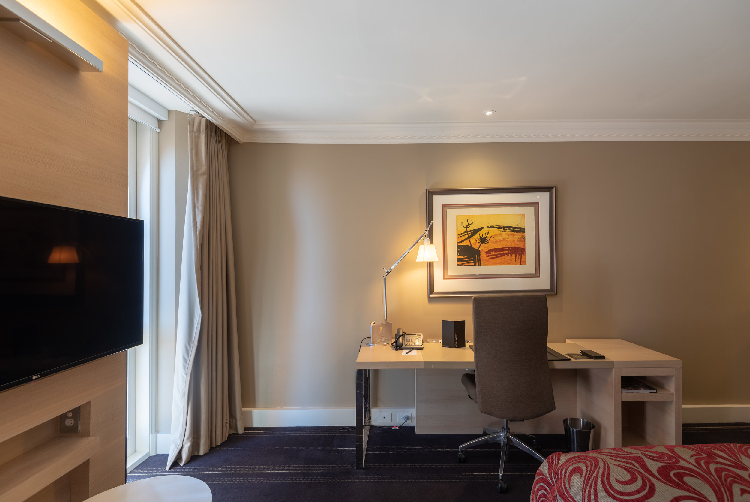 Large Work Desk  Executive Room - InterContinental Melbourne The Rialto