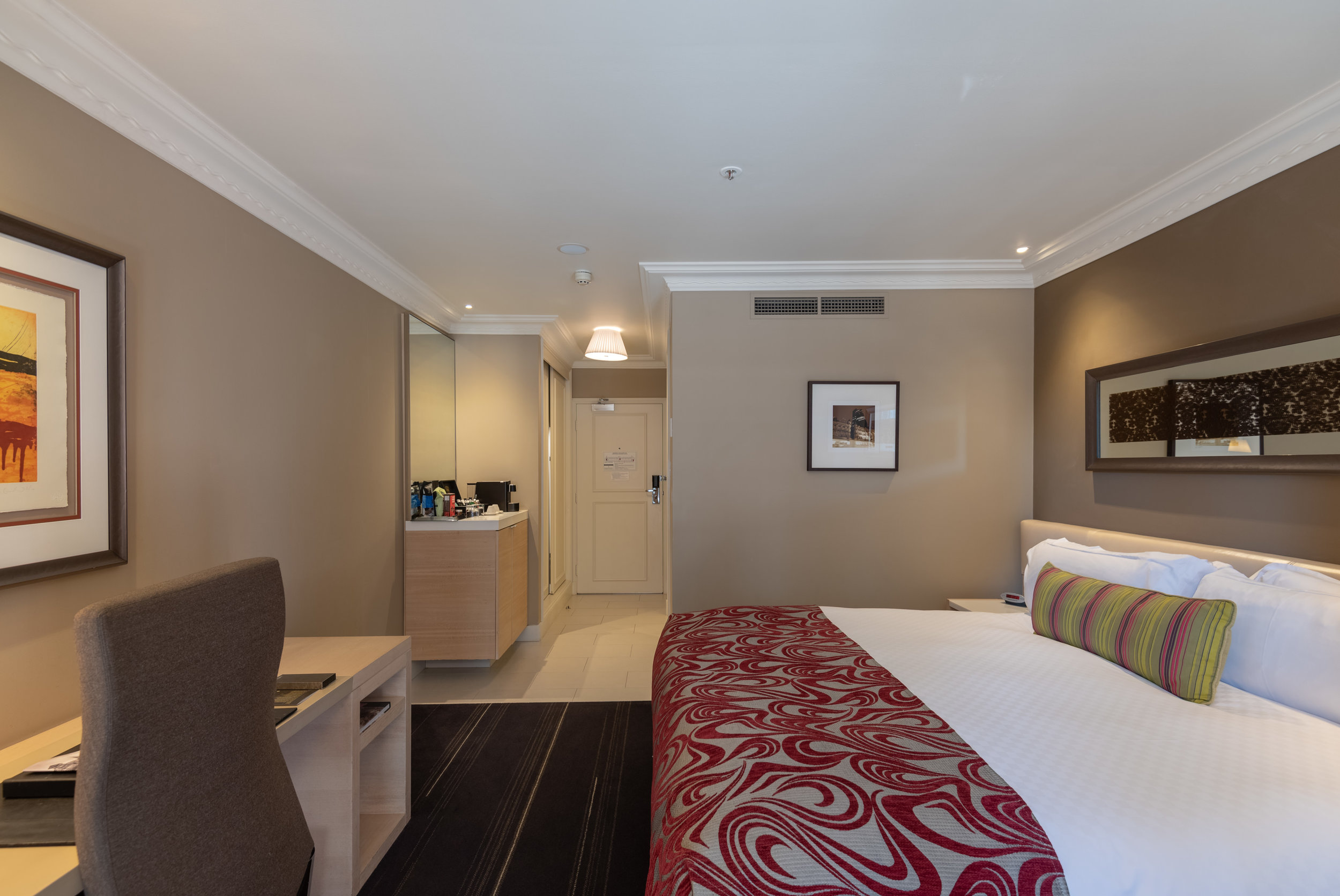 Bedroom  Executive Room - InterContinental Melbourne The Rialto