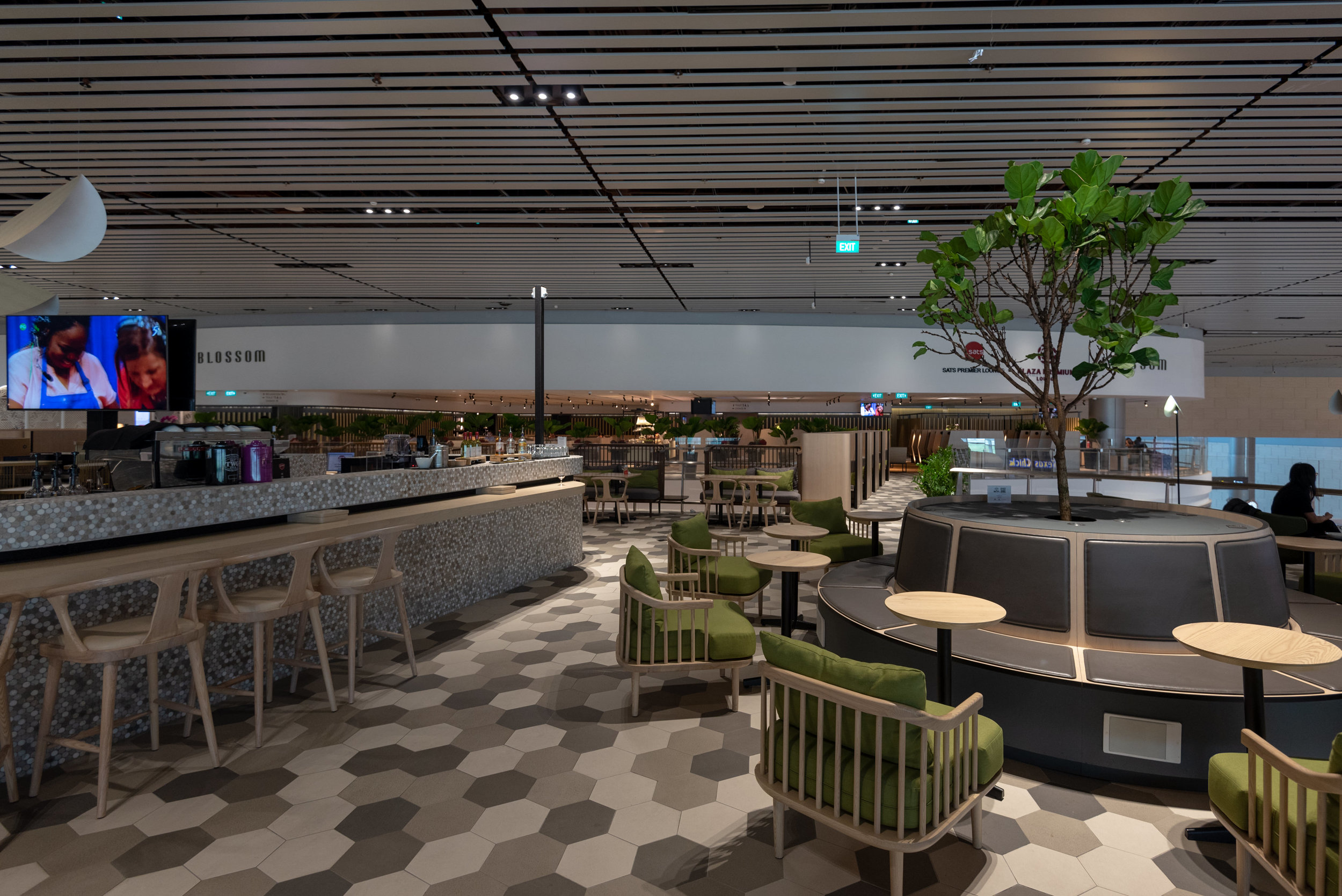 Alternative Seating Area  Blossom – SATS & Plaza Premium Lounge (Singapore Changi Airport Terminal 4)