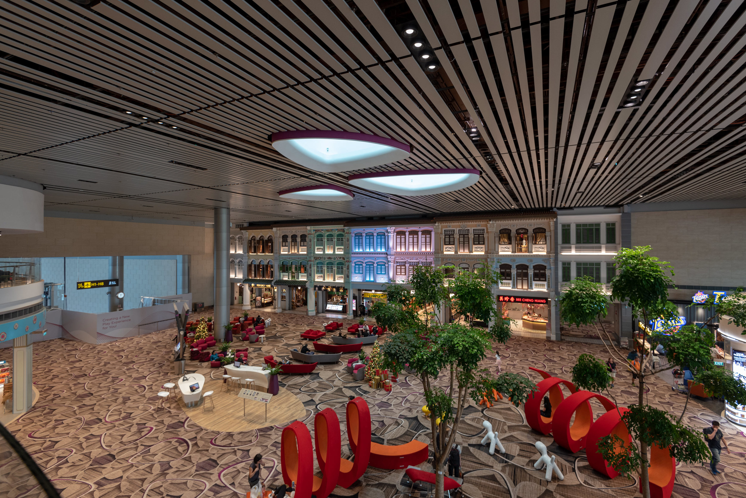 Best View of The Peranakan Love Story  Blossom – SATS & Plaza Premium Lounge (Singapore Changi Airport Terminal 4)