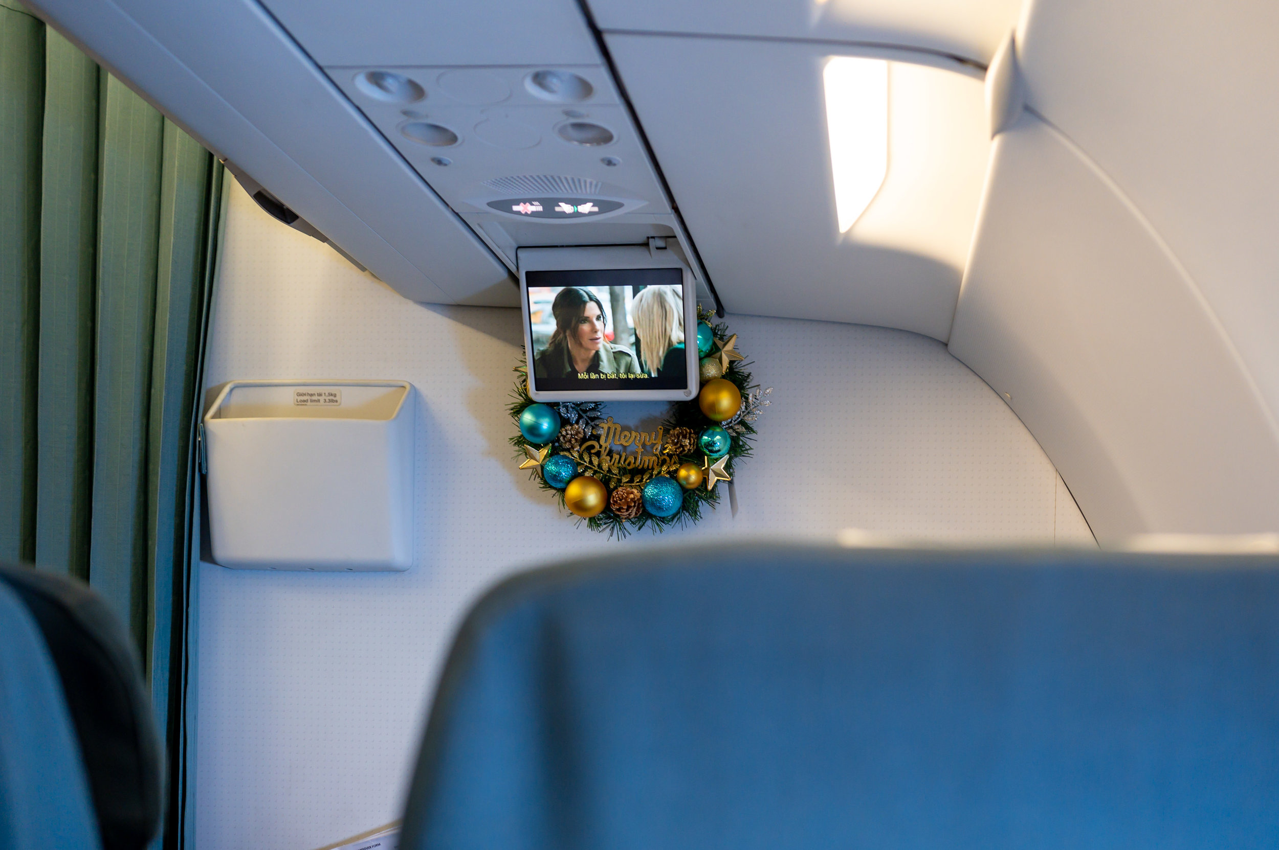 In-flight Entertainment  Vietnam Airlines Business Class A321 VN662 - SIN to HAN