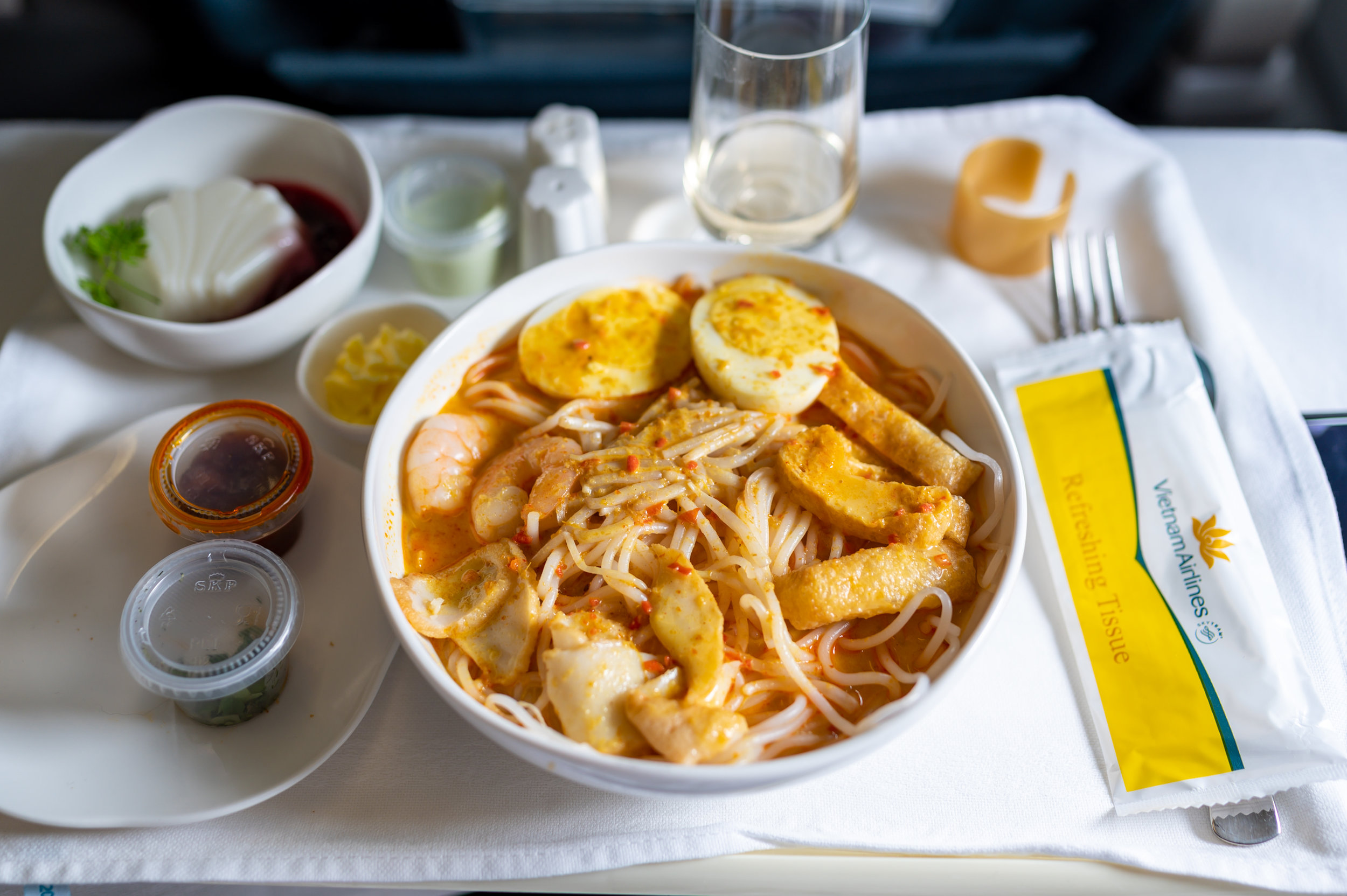Singapore Spicy Laksa Noodle Soup  Vietnam Airlines Business Class A321 VN662 - SIN to HAN