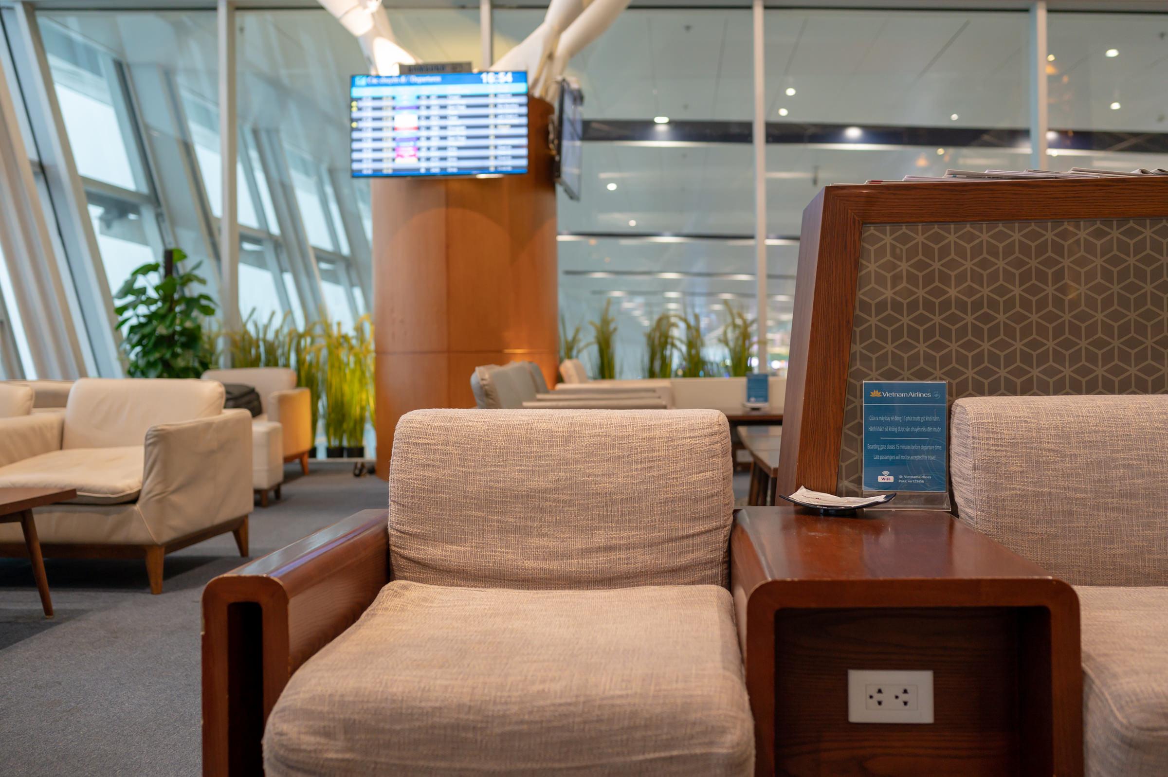 Power Outlets  Vietnam Airlines Lotus Lounge - Noi Bai International Airport