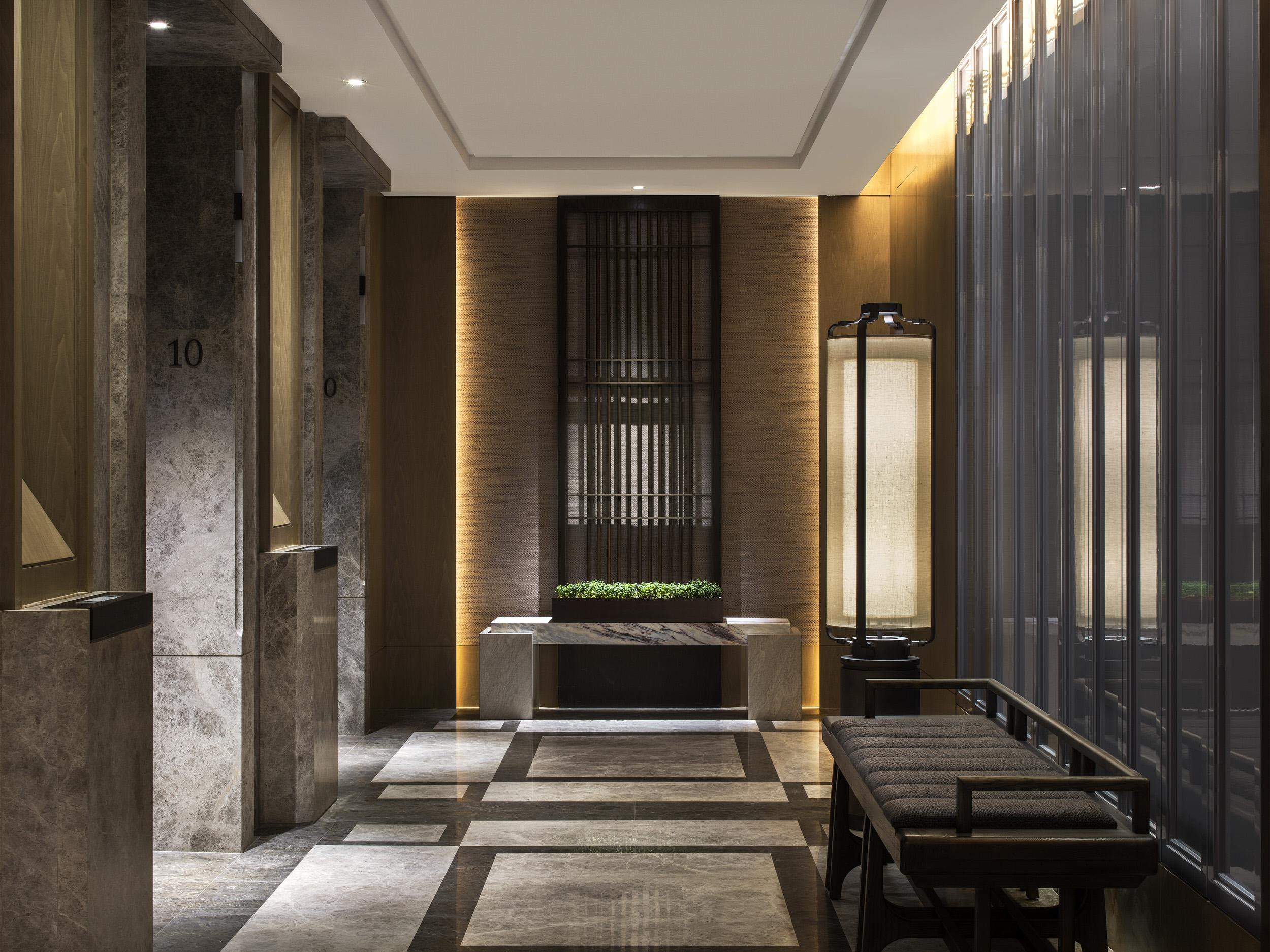 St.RegisHongKong, Guest Room Floors, Lift Landing_1.jpg