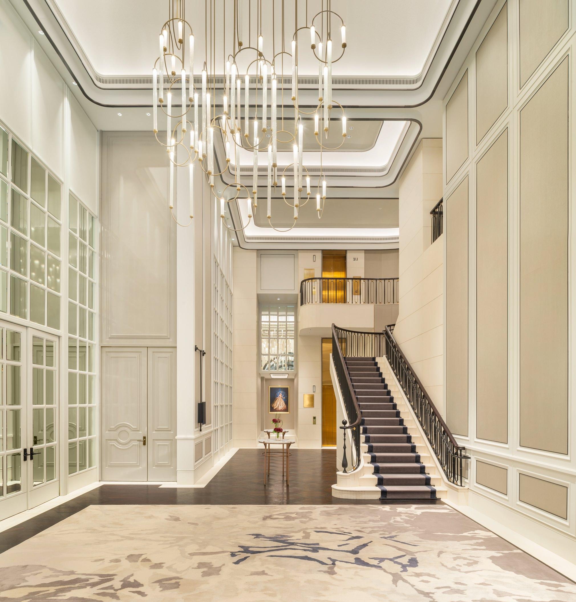 Caroline's Mansion_Foyer_2_1.jpg